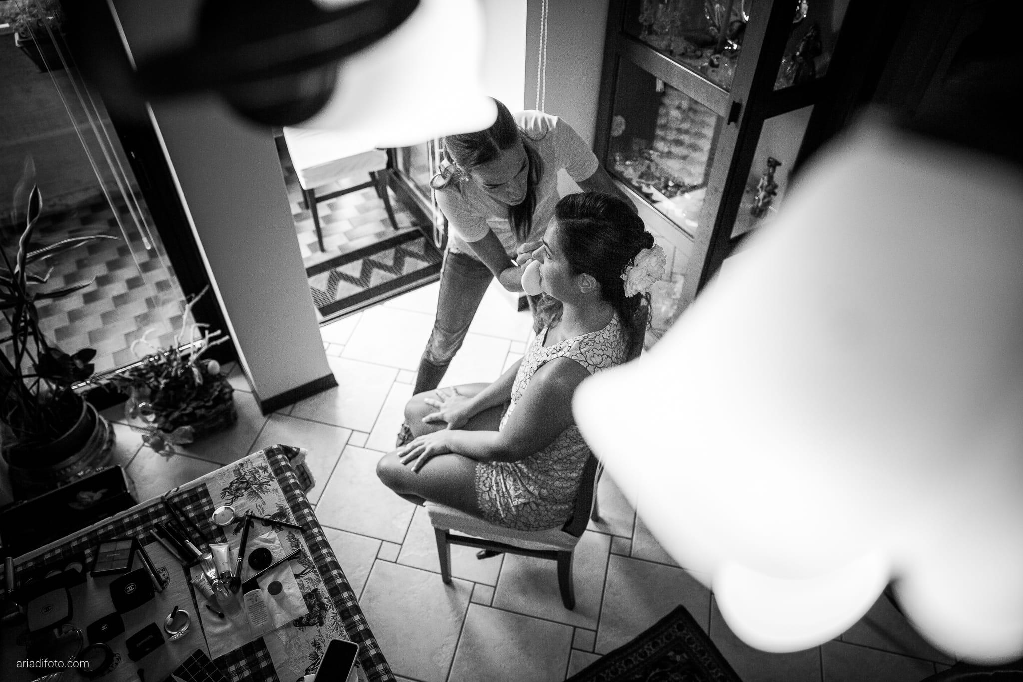 Giorgia Davide Matrimonio Villa Revoltella Salvia Rosmarino Trieste preparativi trucco