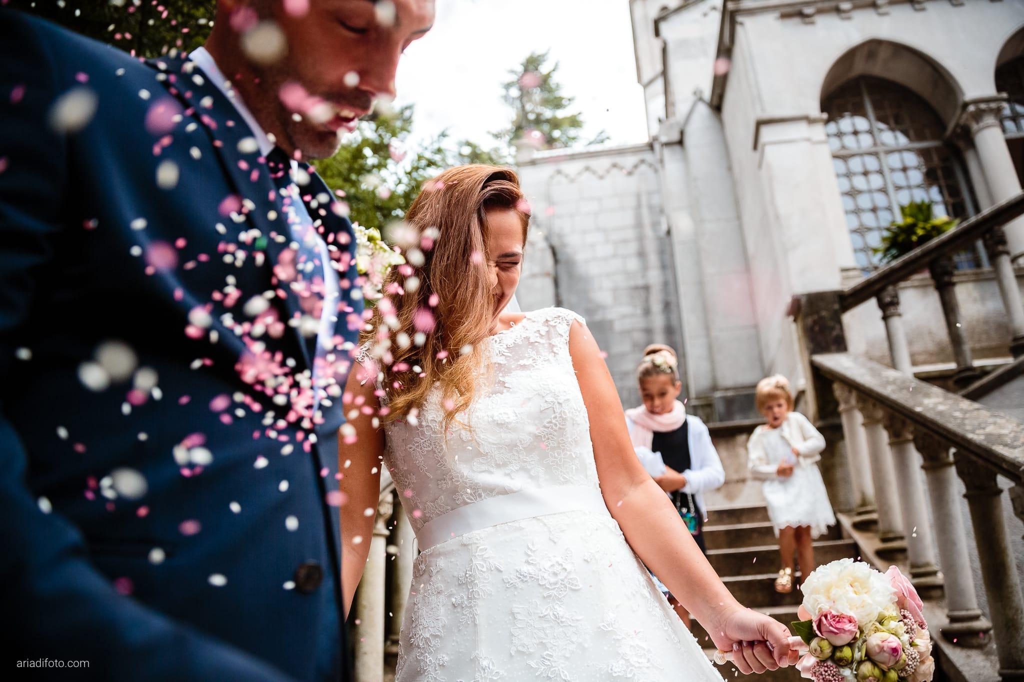 Giorgia Davide Matrimonio Chiesa San Pasquale Villa Revoltella Salvia Rosmarino Trieste lancio del riso