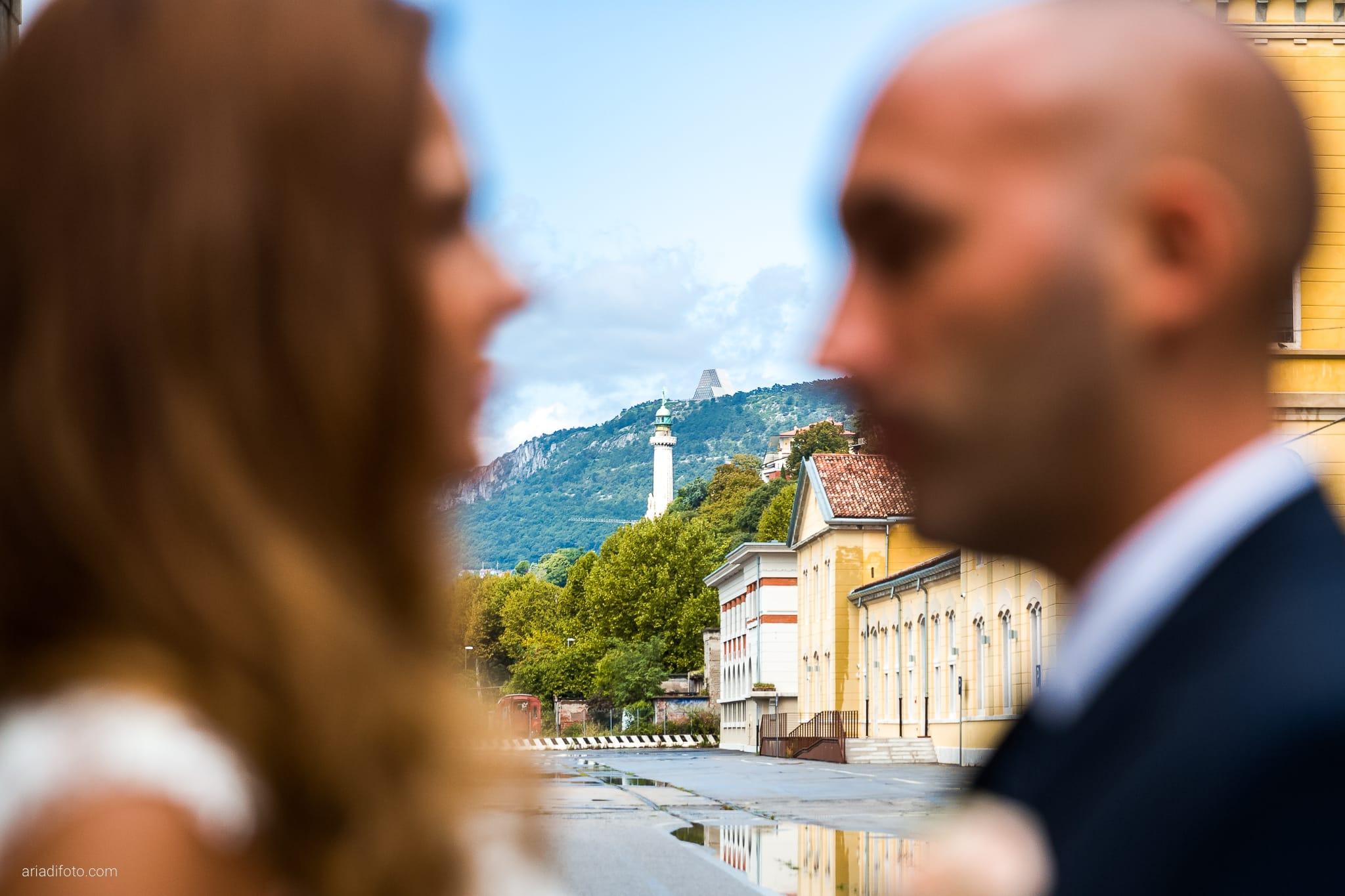 Giorgia Davide Matrimonio Villa Revoltella Salvia Rosmarino Trieste ritratti sposi Porto Vecchio Magazzino 26 Faro della Vittoria