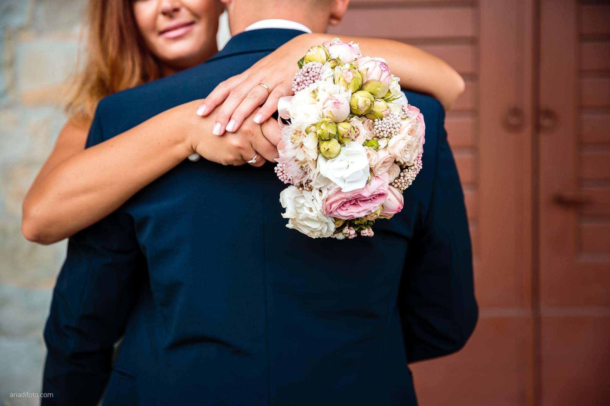 Giorgia Davide Matrimonio Villa Revoltella Salvia Rosmarino Trieste ritratti sposi Porto Vecchio Magazzino 26 dettagli bouquet rose