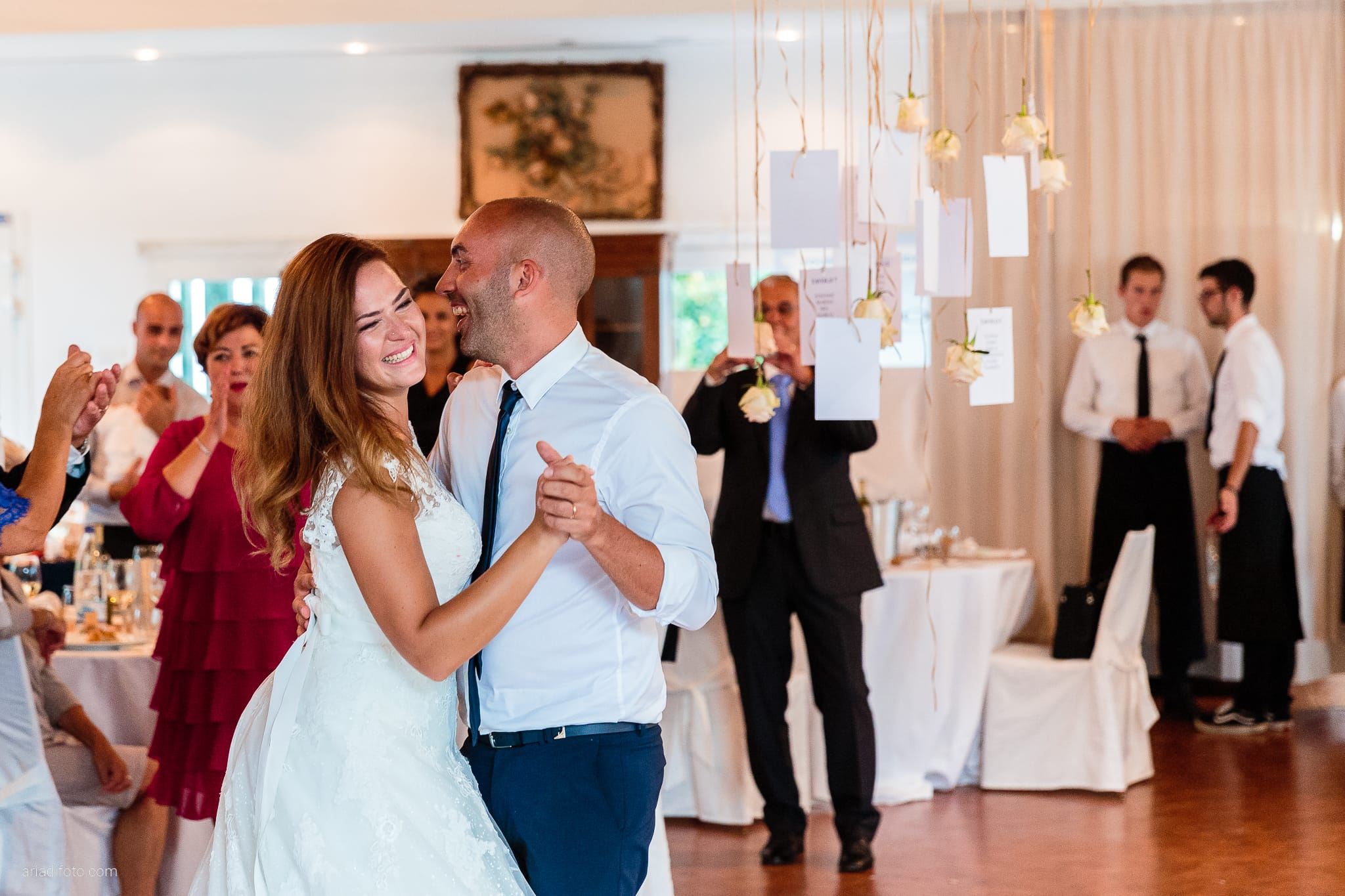 Giorgia Davide Matrimonio Villa Revoltella Salvia Rosmarino Trieste ricevimento primo ballo