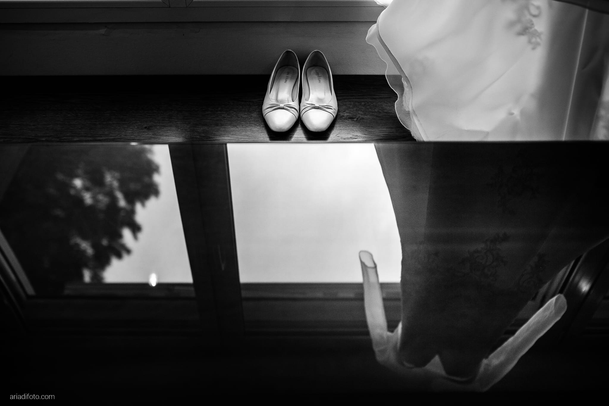 Magdalena Massimo Matrimonio Ristorante Le Terrazze Riviera Trieste preparativi dettagli scarpe abito riflesso