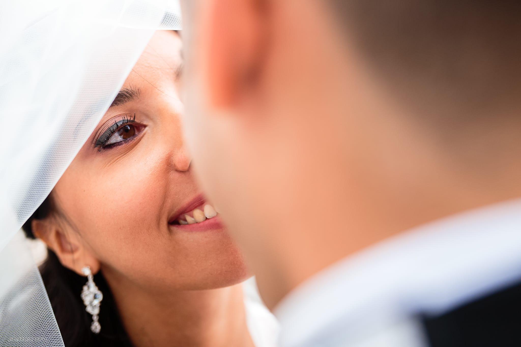 Magdalena Massimo Matrimonio Ristorante Le Terrazze Riviera Trieste ritratti sposi Cavana velo