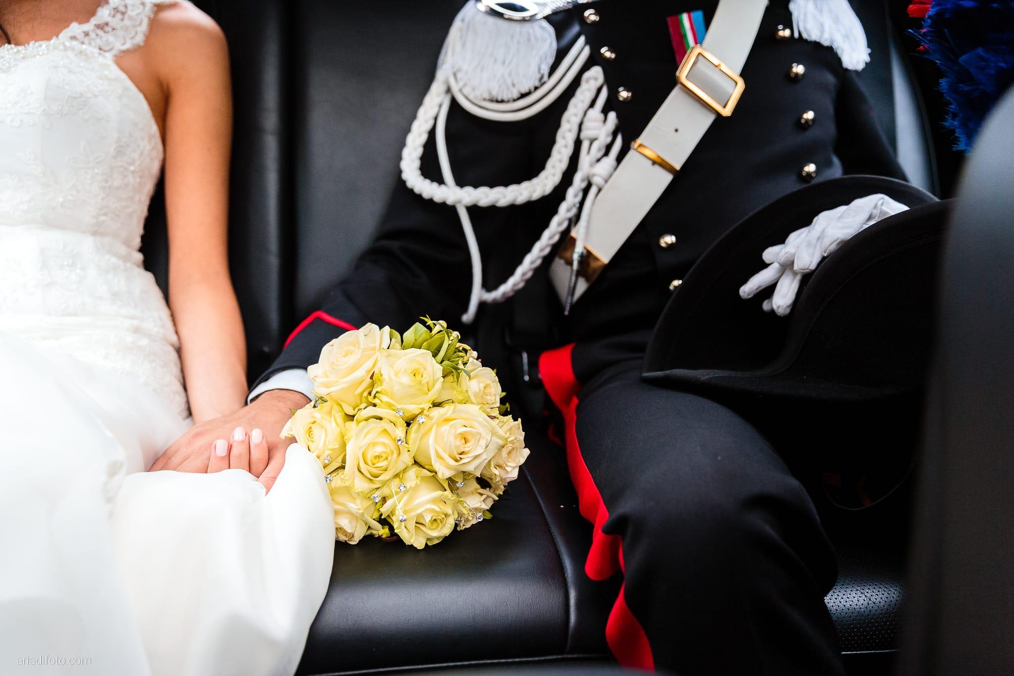 Magdalena Massimo Matrimonio Ristorante Le Terrazze Riviera Trieste momenti auto sposi dettagli mani bouquet rose