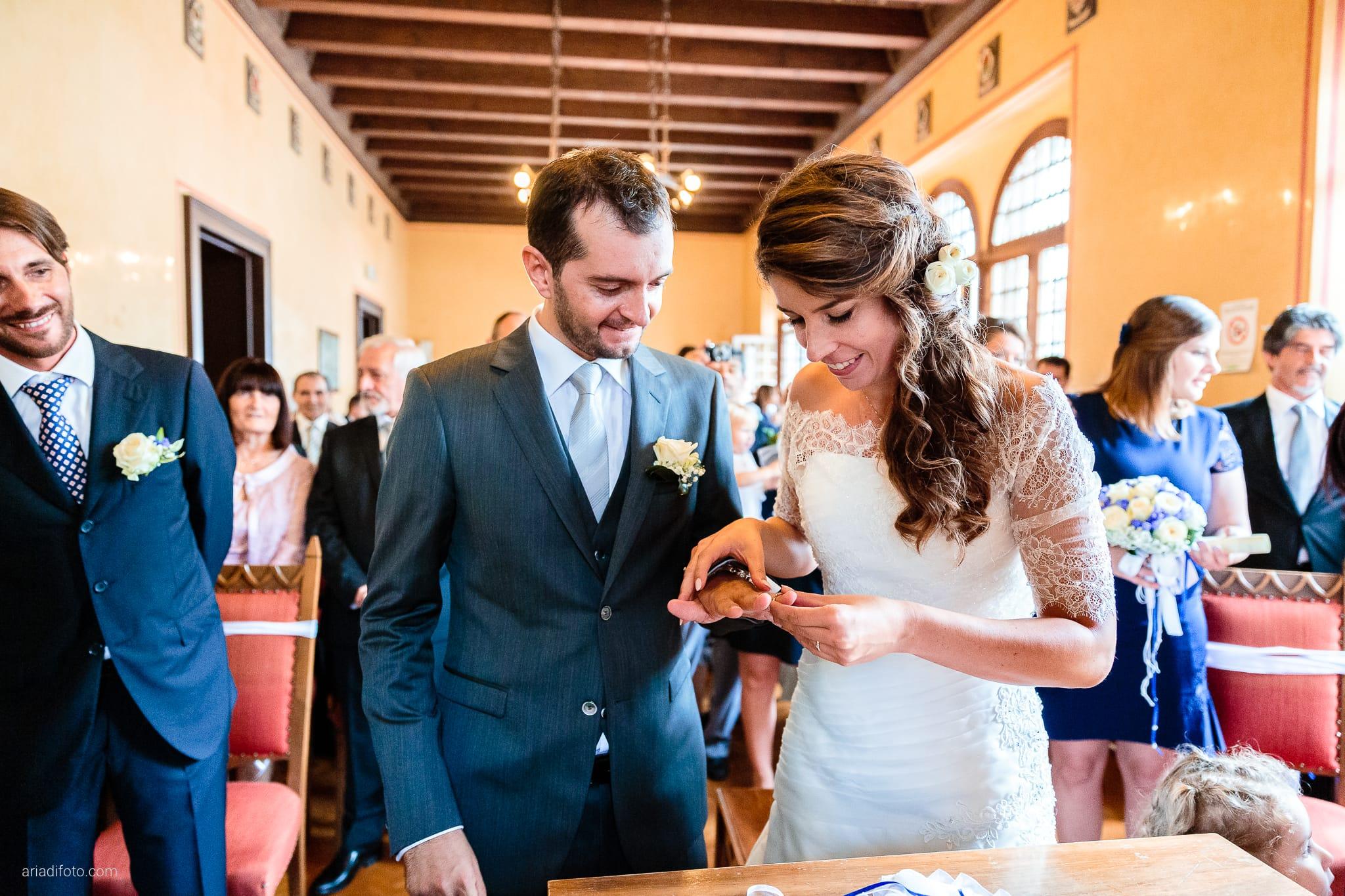 Rossella Stefano Matrimonio Municipio di Muggia Mulin Koper Slovenia cerimonia scambio degli anelli