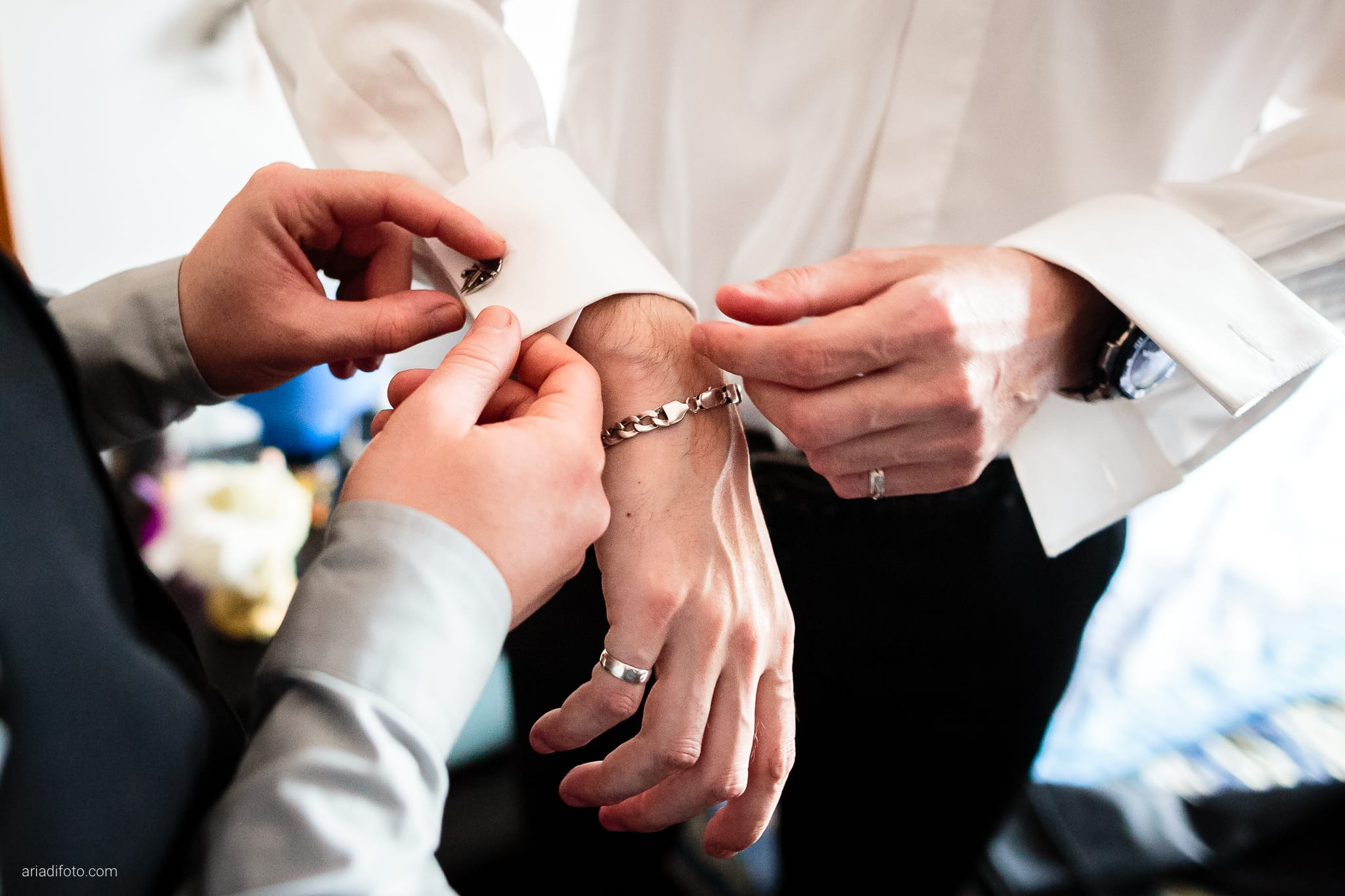 Agnese Alessandro Matrimonio Centro Visite Gradina Doberdo Gorizia Farra preparativi gemelli camicia