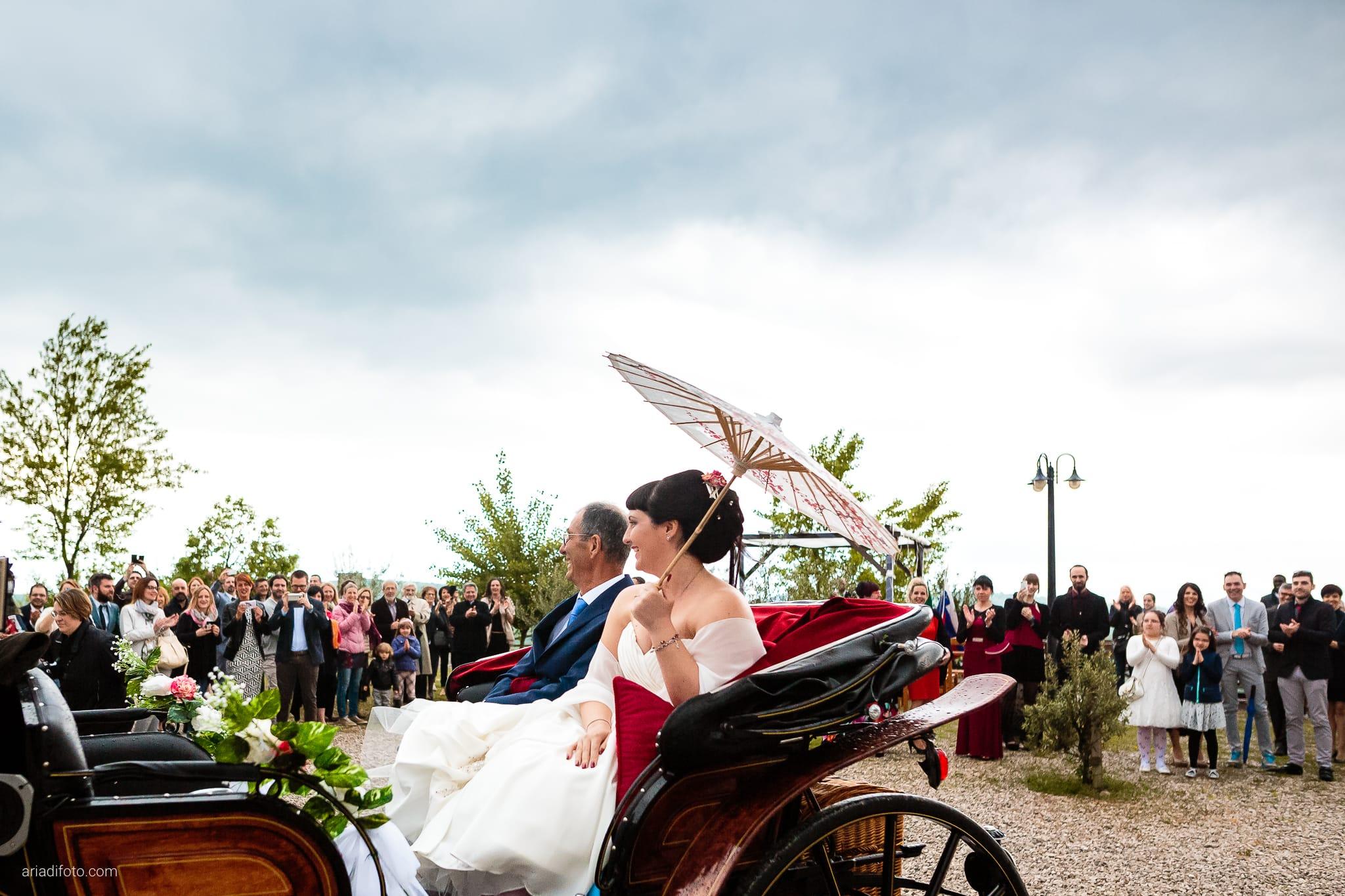 Agnese Alessandro Matrimonio Centro Visite Gradina Doberdo Gorizia Farra cerimonia carrozza ingresso sposa
