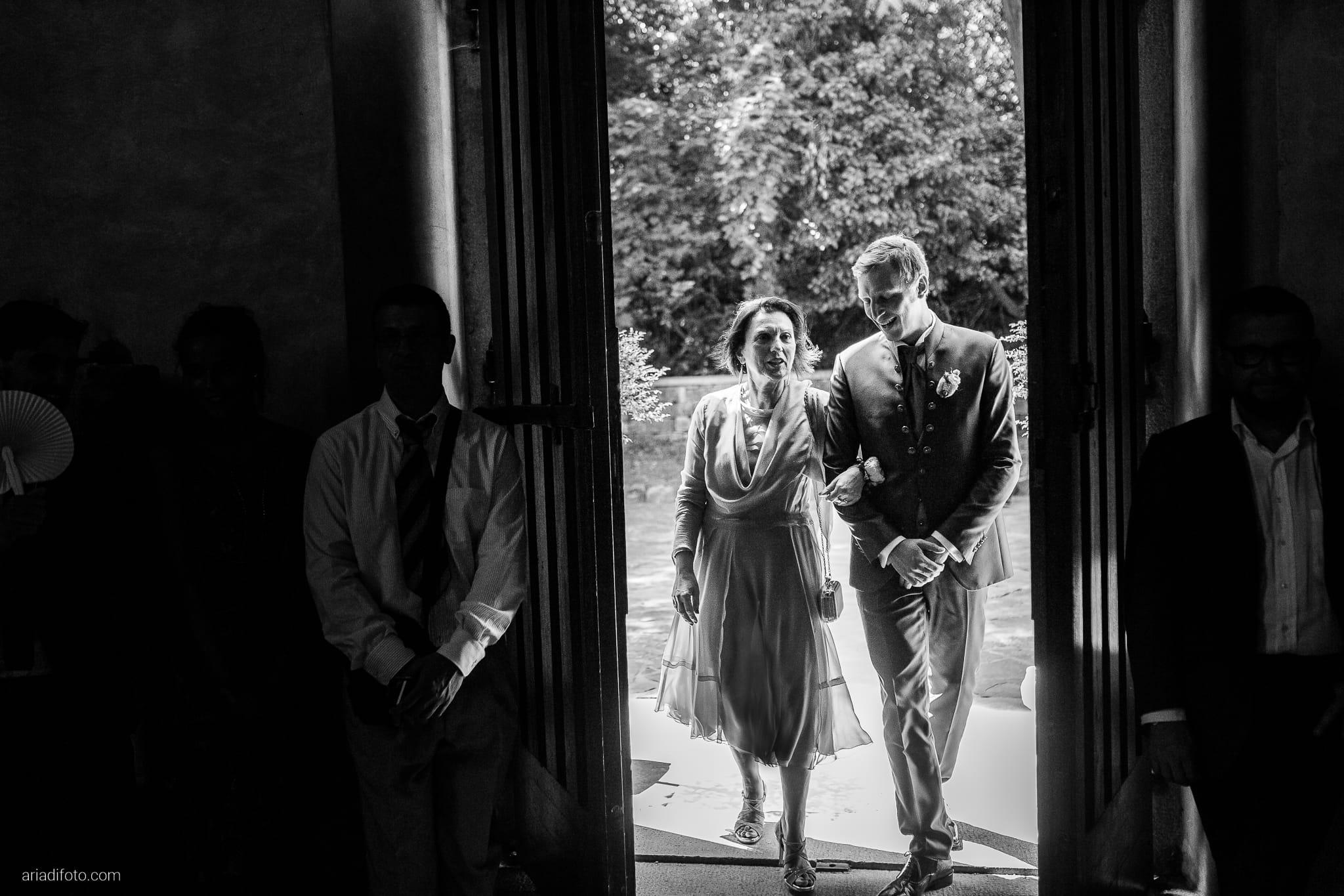 Erica Stefano Matrimonio Duino Chiesa San Giovanni in Tuba Castello Spessa Capriva Del Friuli Gorizia cerimonia ingresso sposo