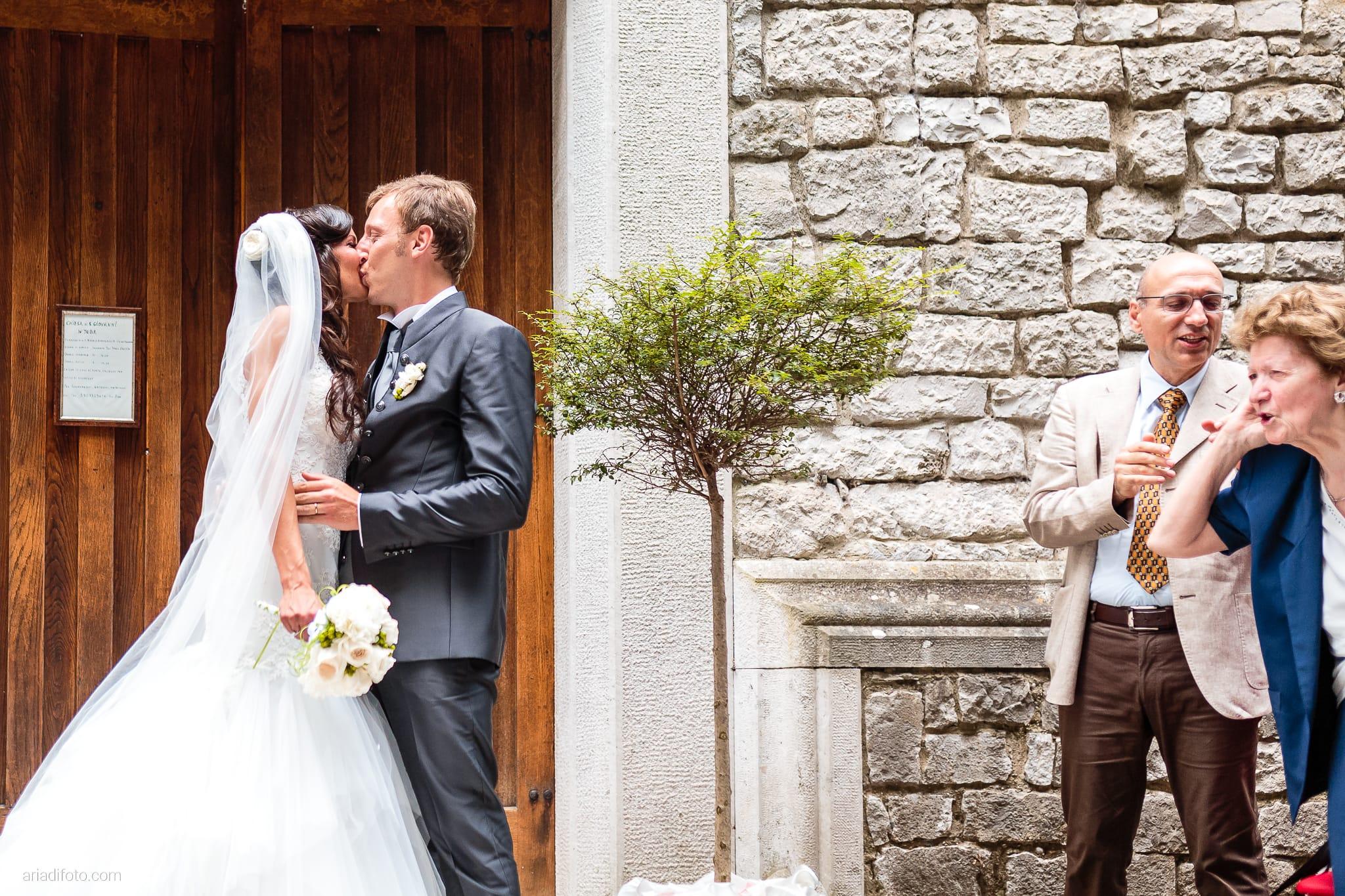 Erica Stefano Matrimonio Duino Castello Spessa Capriva Del Friuli Gorizia lancio del riso
