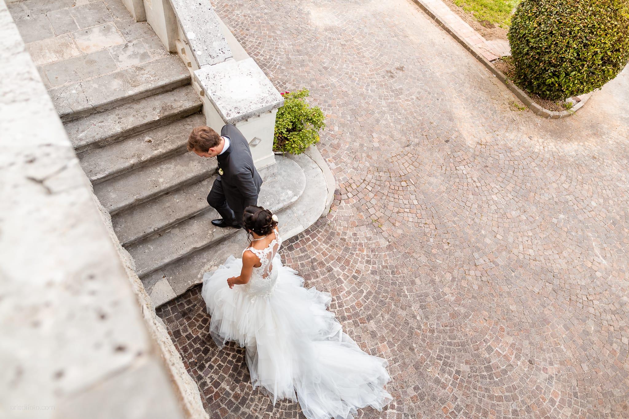 Erica Stefano Matrimonio Duino Castello Spessa Capriva Del Friuli Gorizia ricevimento ingresso sposi