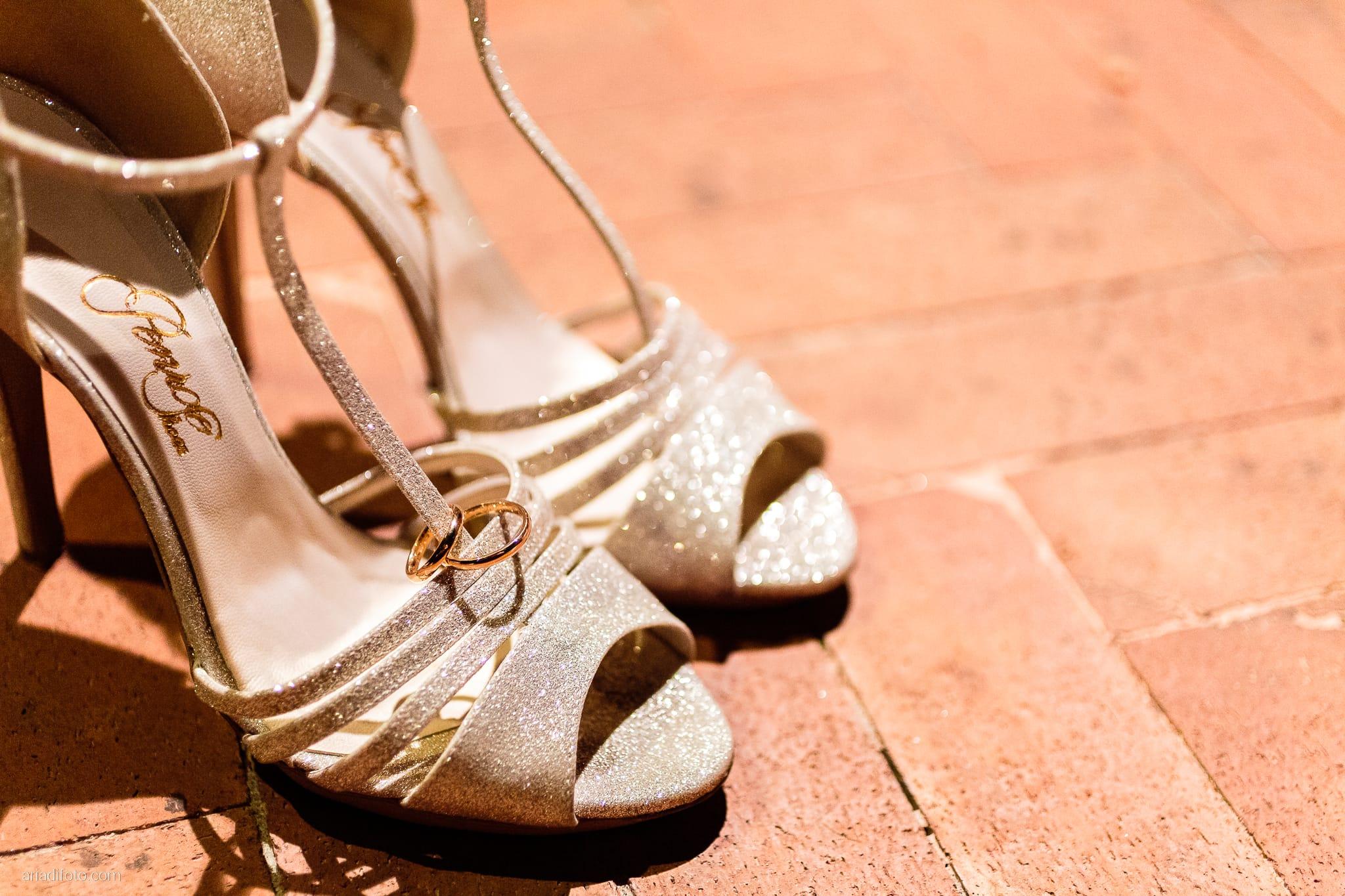 Erica Stefano Matrimonio Duino Castello Spessa Capriva Del Friuli Gorizia ricevimento dettagli scarpe anelli