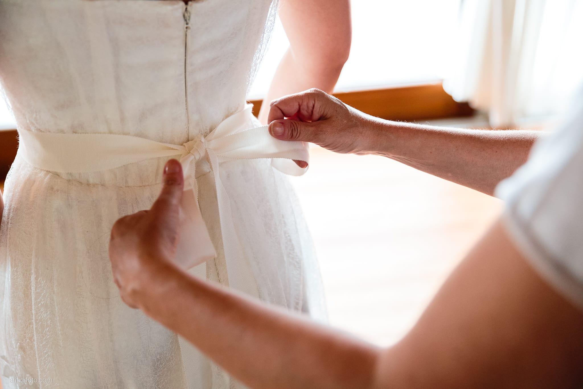Francesca Andrea Matrimonio Muggia Porto San Rocco Marina San Giusto Trieste preparativi abito fiocco