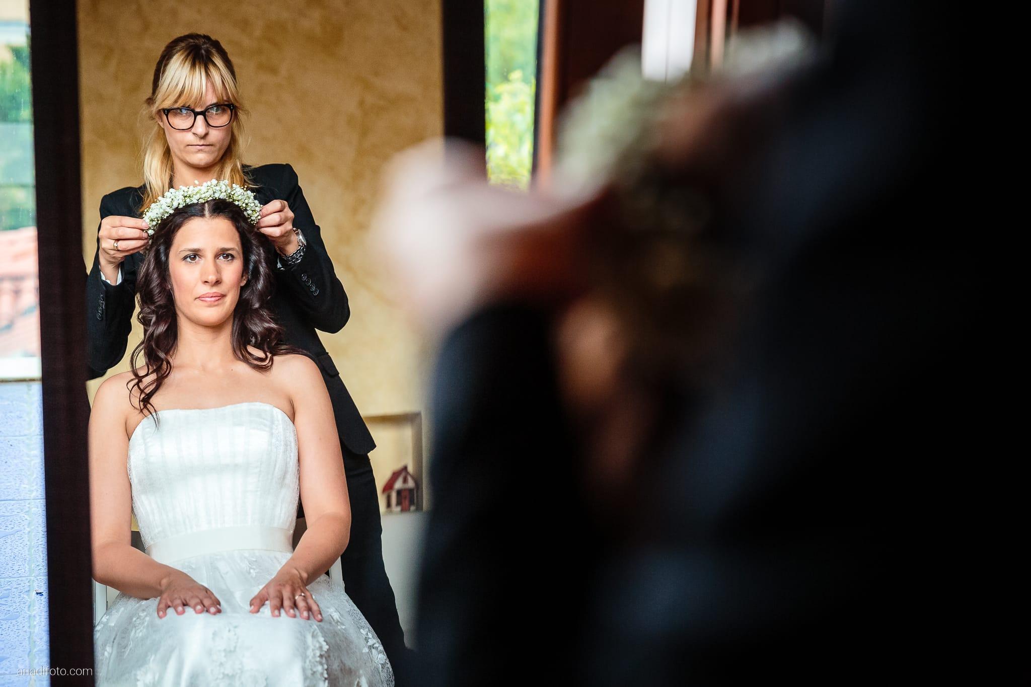 Francesca Andrea Matrimonio Muggia Porto San Rocco Marina San Giusto Trieste preparativi specchio riflesso acconciatura