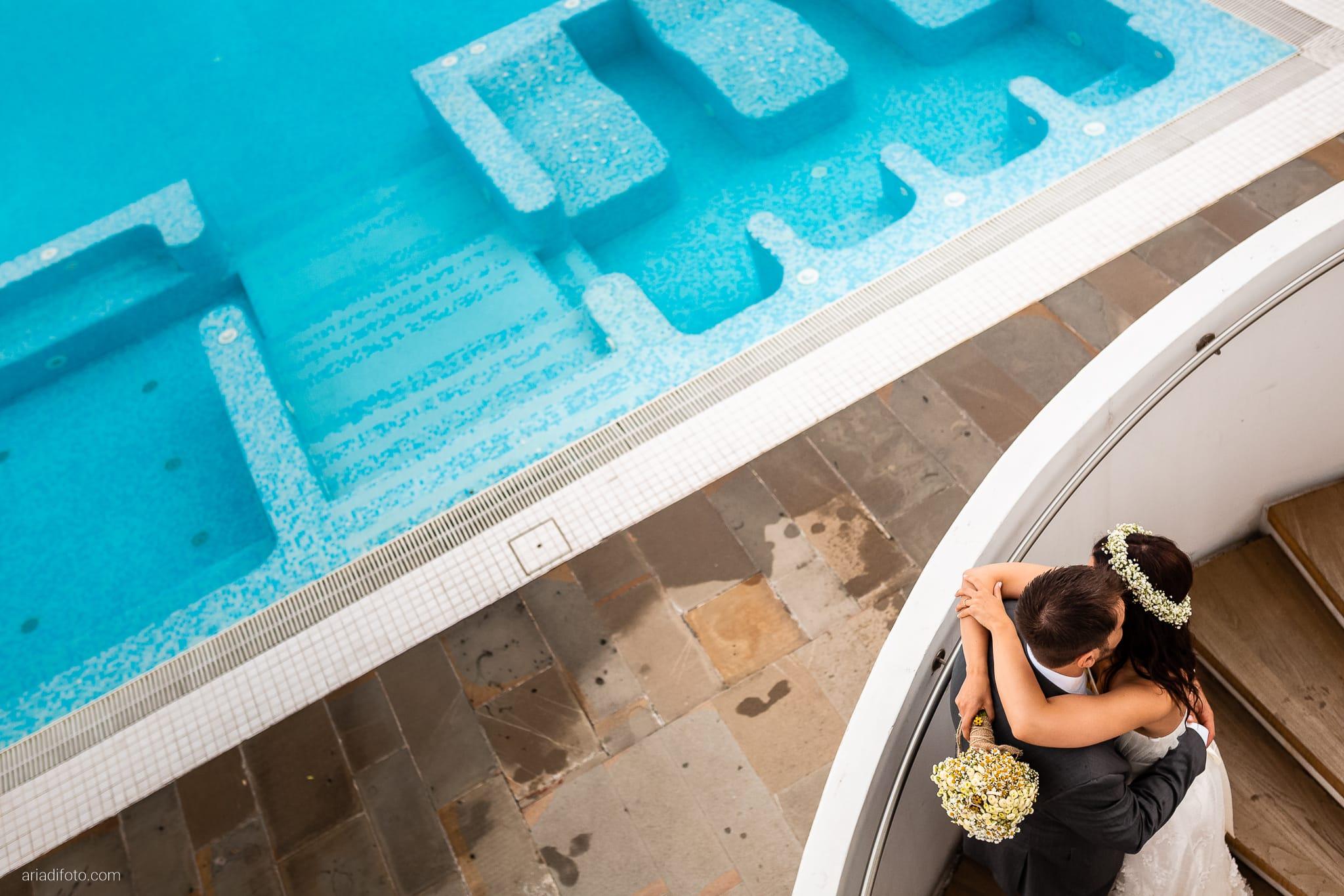 Francesca Andrea Matrimonio Muggia Porto San Rocco Marina San Giusto Trieste ritratti sposi piscina