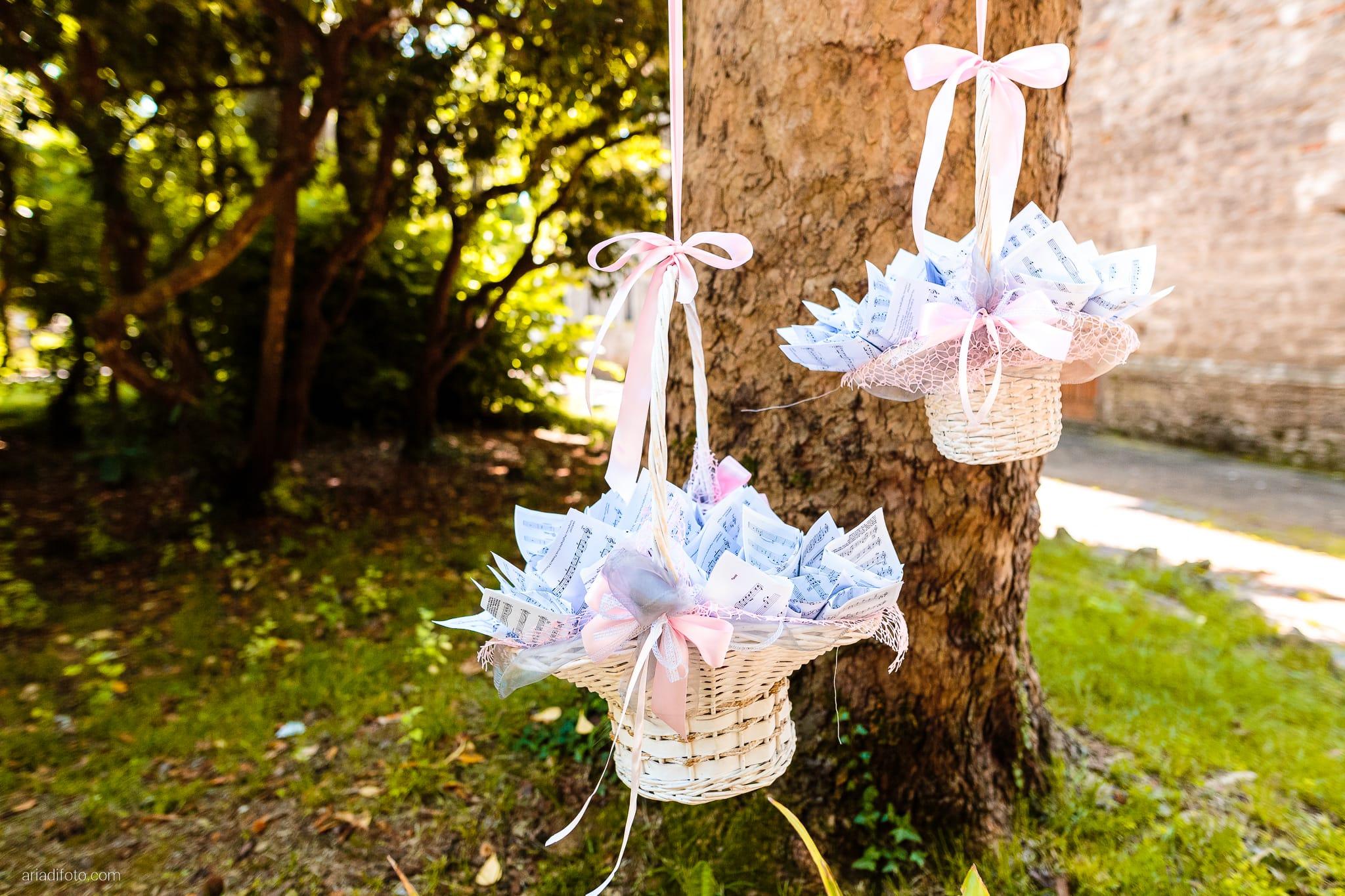 Martina Daniele Matrimonio Duino San Giovanni in Tuba Baronesse Tacco Collio Gorizia cerimonia dettagli confetti