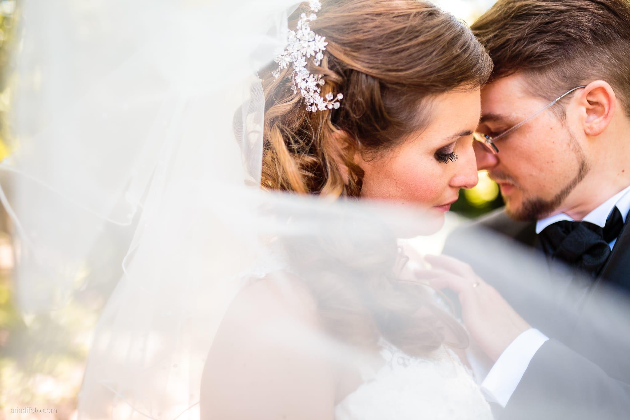 Martina Daniele Matrimonio Duino Baronesse Tacco Collio Gorizia ritratti sposi velo