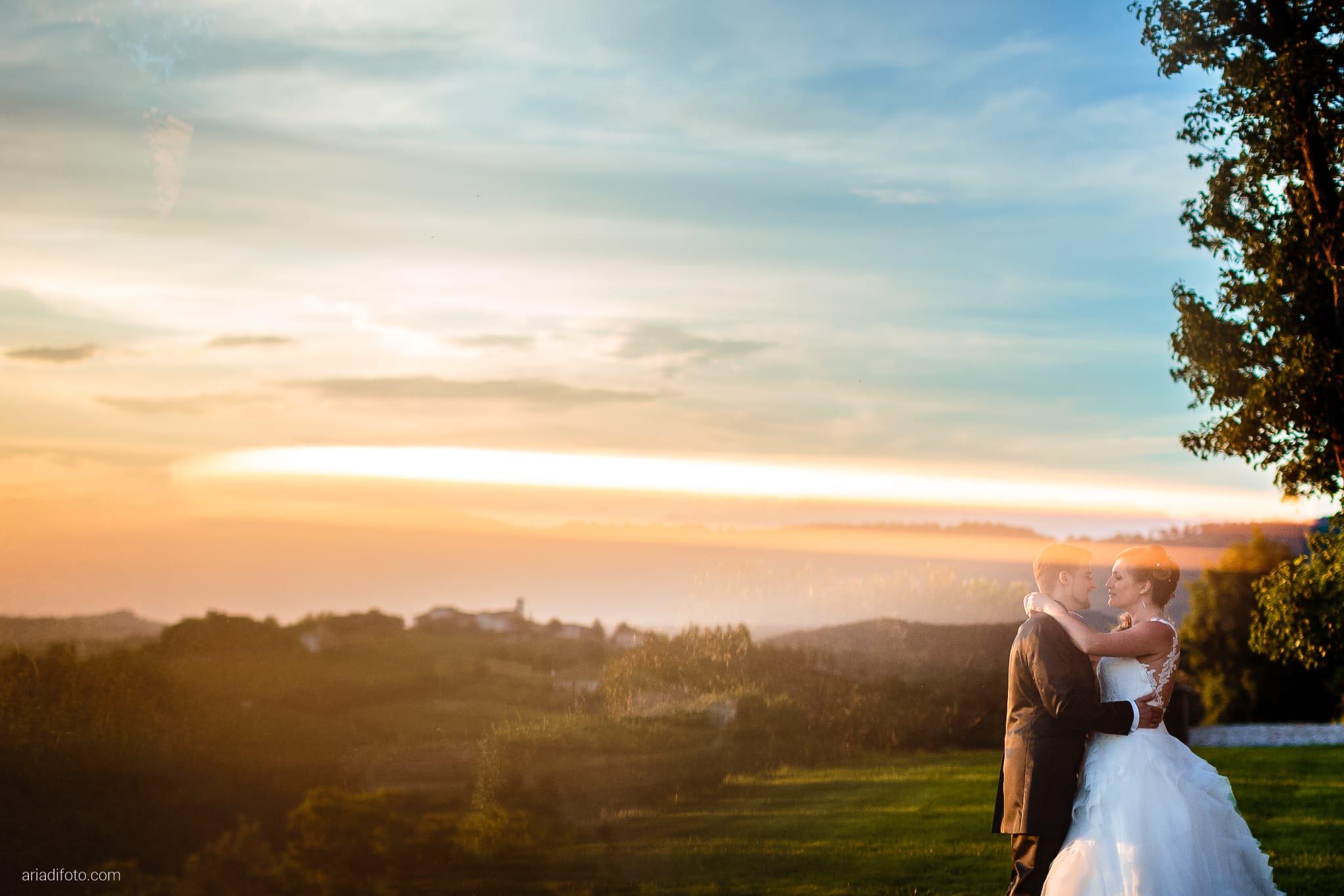 Martina Daniele Matrimonio Duino Baronesse Tacco Collio Gorizia ritratti sposi tramonto riflesso