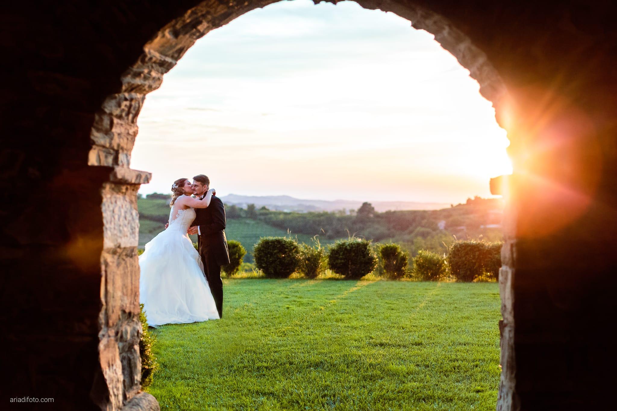 Martina Daniele Matrimonio Duino Baronesse Tacco Collio Gorizia ritratti sposi tramonto