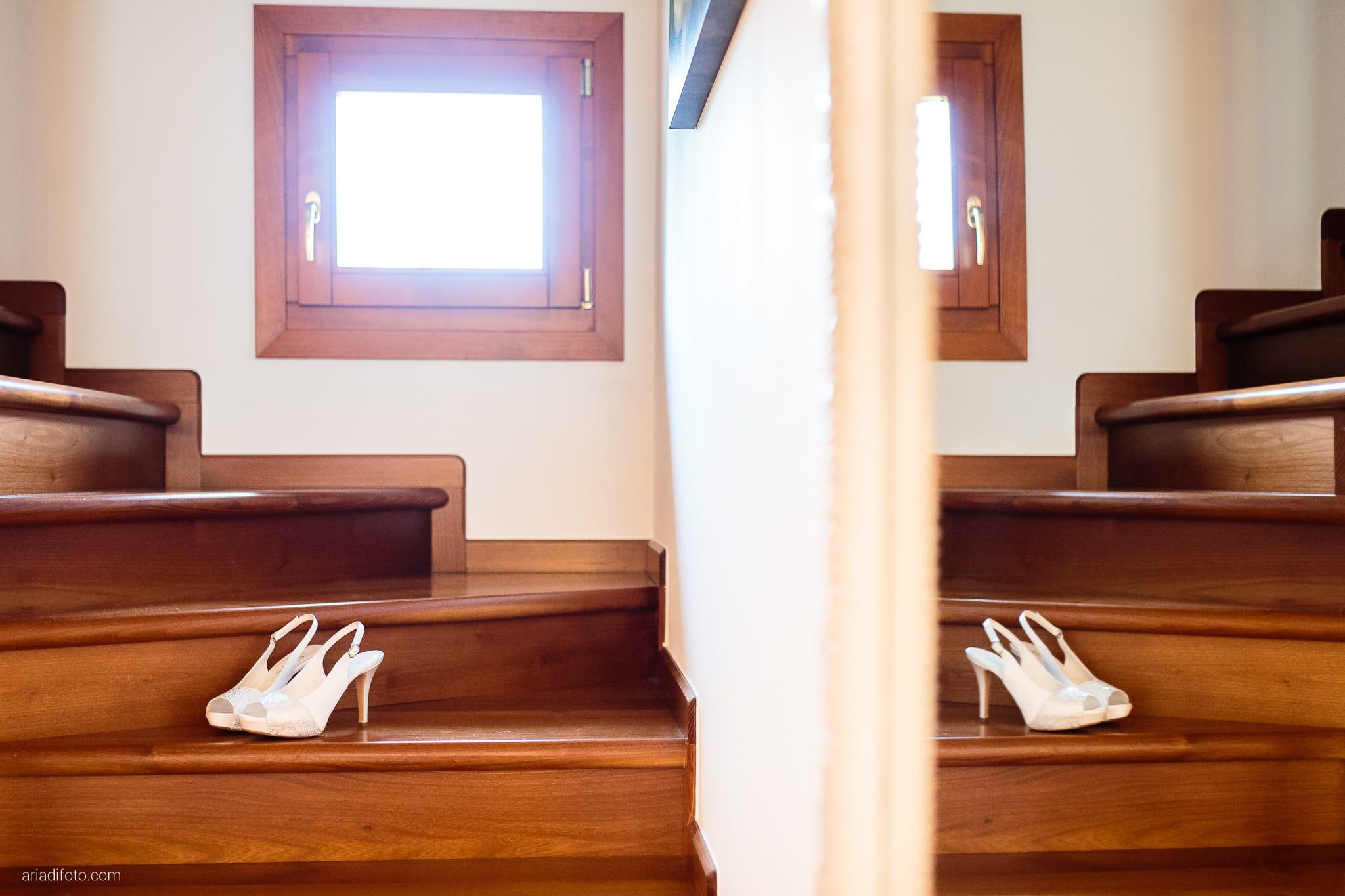 Sarah Matteo Matrimonio Moruzzo Agriturismo Il Vagabondo Buttrio Udine preparativi dettagli scarpe specchio riflesso