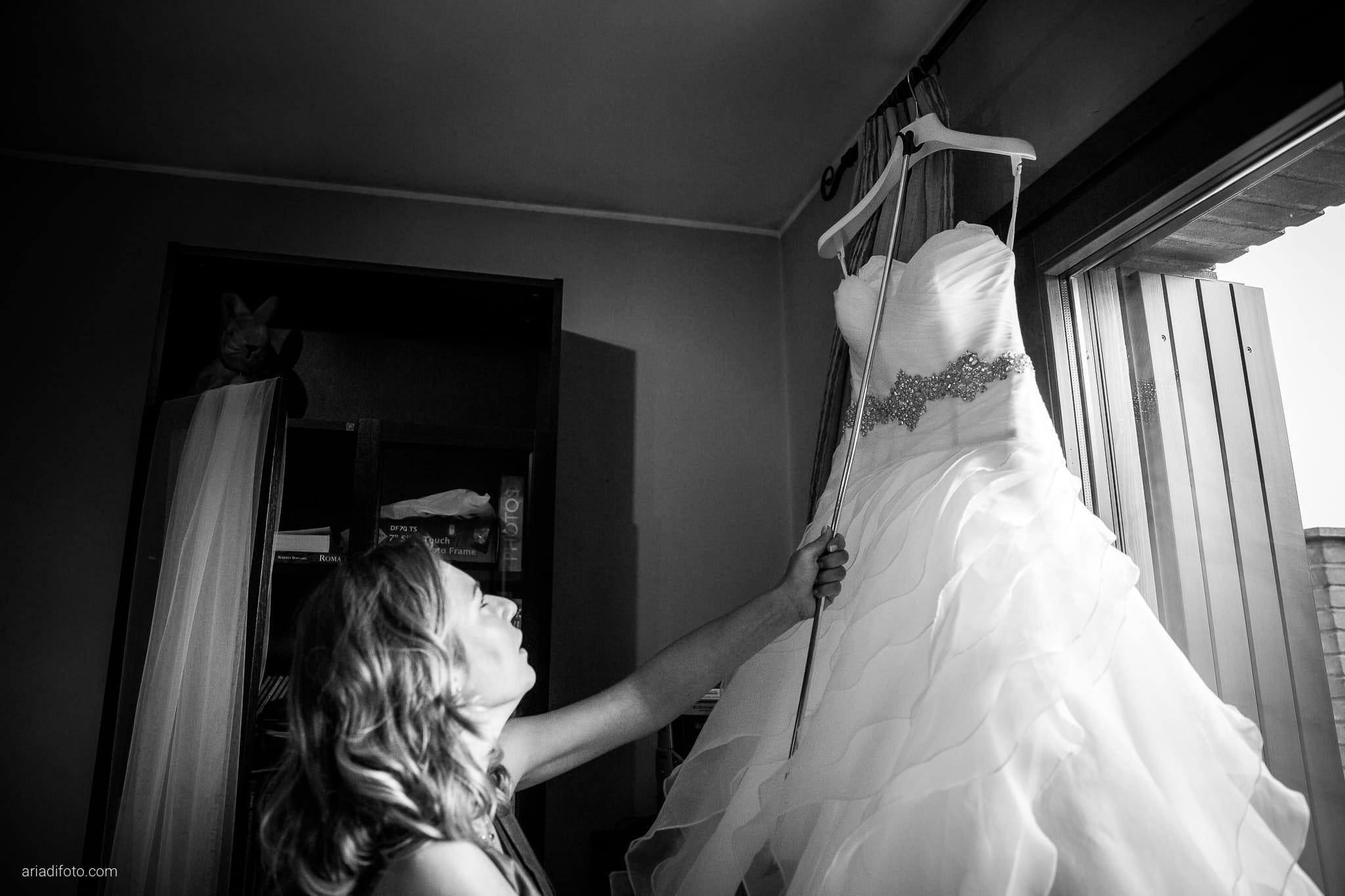 Sarah Matteo Matrimonio Moruzzo Agriturismo Il Vagabondo Buttrio Udine preparativi abito sposa