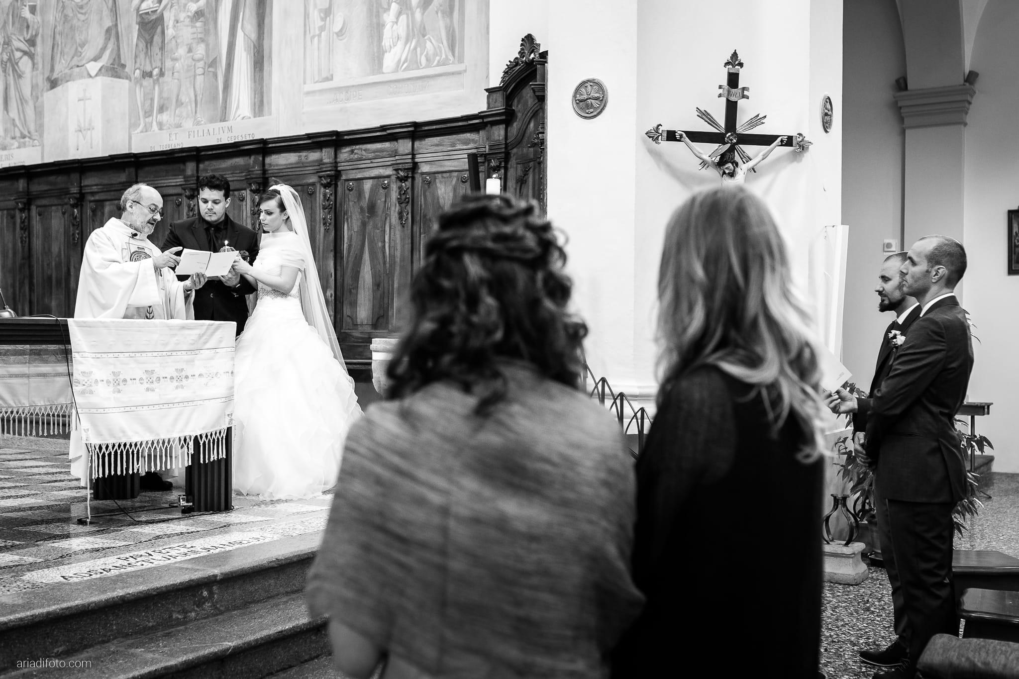 Sarah Matteo Matrimonio Moruzzo Chiesa Santa Maria Gruagno Agriturismo Il Vagabondo Buttrio Udine cerimonia candela