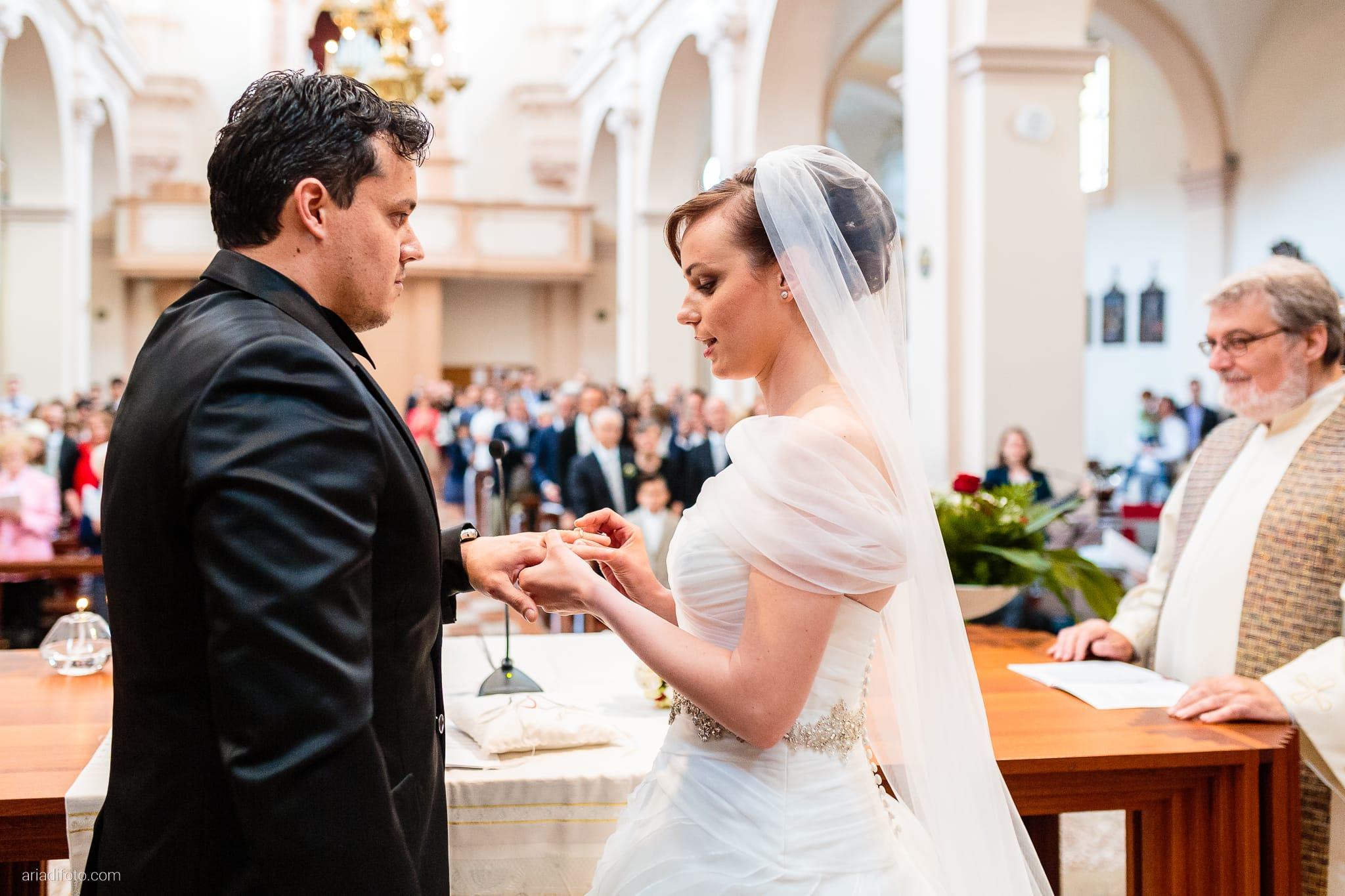 Sarah Matteo Matrimonio Moruzzo Chiesa Santa Maria Gruagno Agriturismo Il Vagabondo Buttrio Udine cerimonia scambio degli anelli