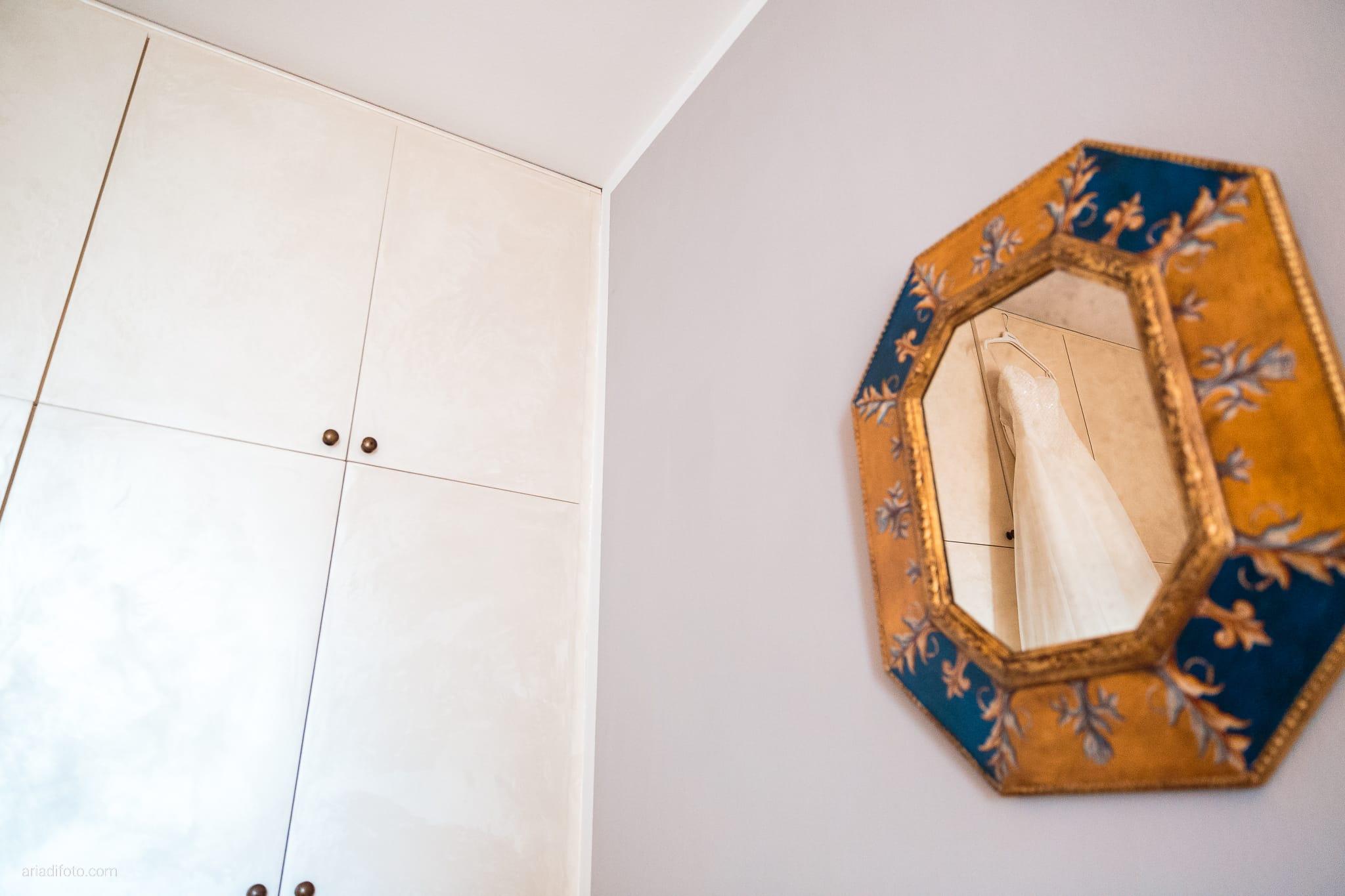 Mariarita Matteo Matrimonio Trieste Villa Attems Cernozza Postcastro Lucinico Gorizia preparativi abito specchio riflesso