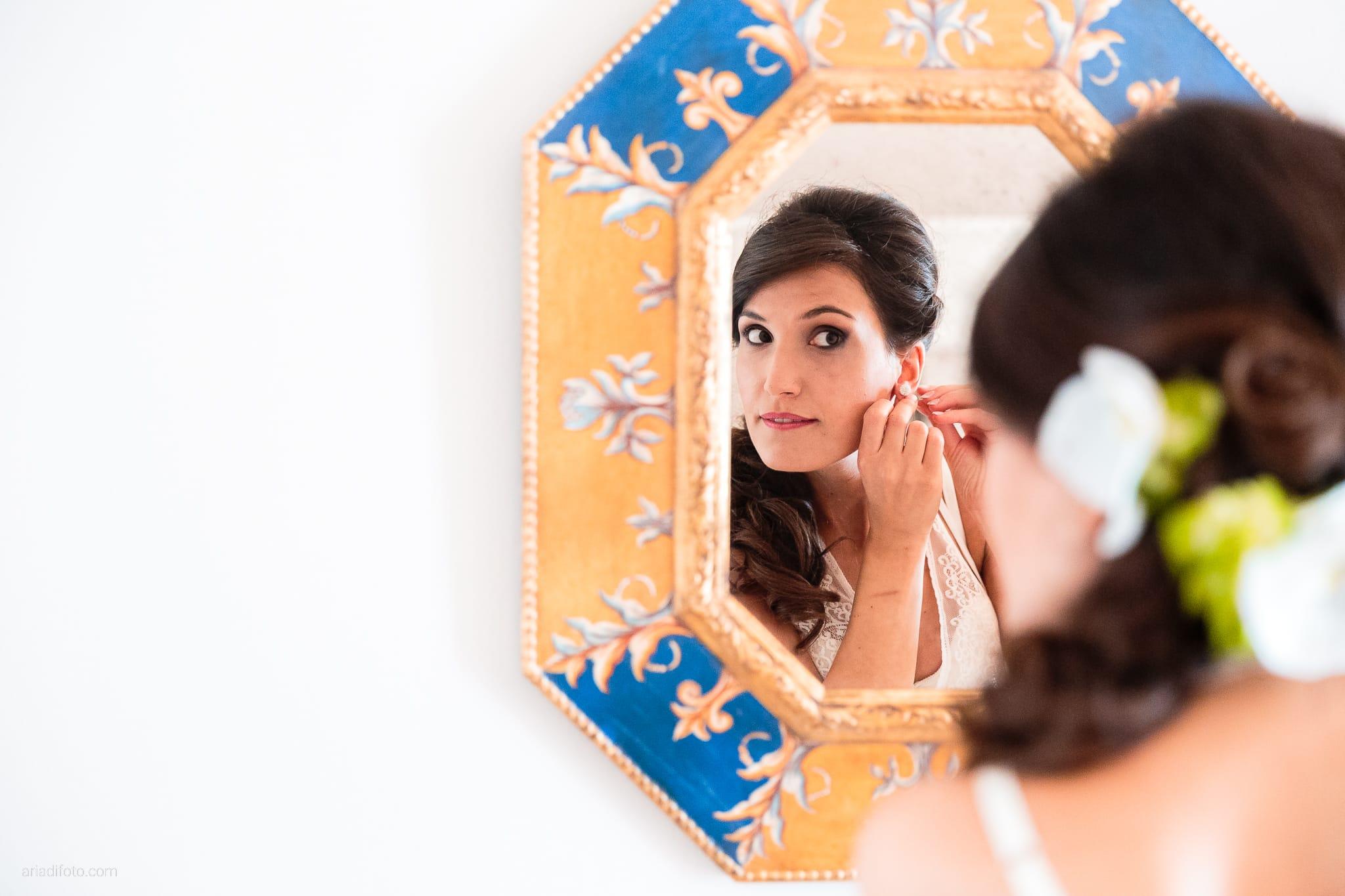 Mariarita Matteo Matrimonio Trieste Villa Attems Cernozza Postcastro Lucinico Gorizia preparativi specchio riflesso orecchini