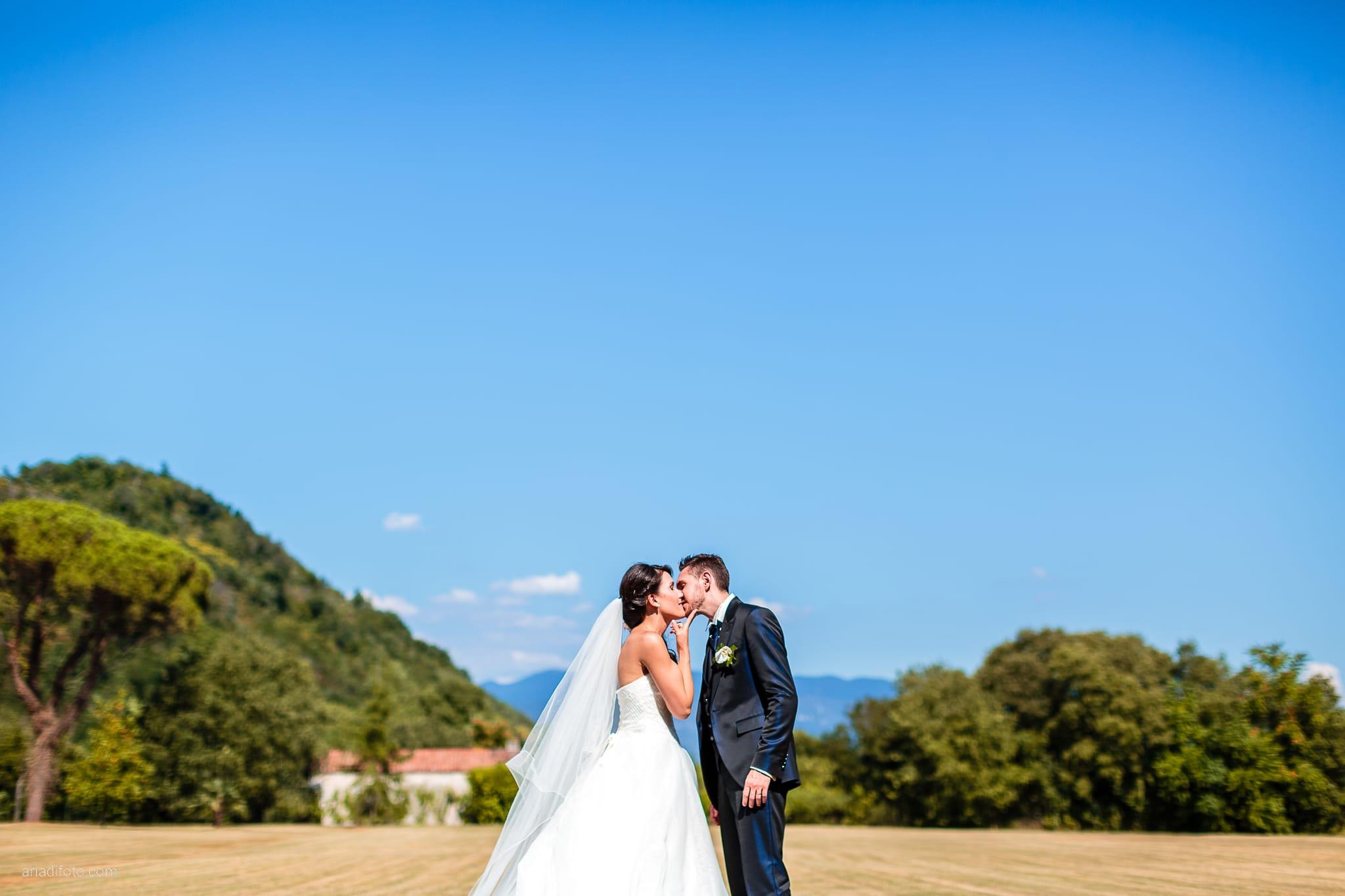 Mariarita Matteo Matrimonio Trieste Villa Attems Cernozza Postcastro Lucinico Gorizia ritratti sposi