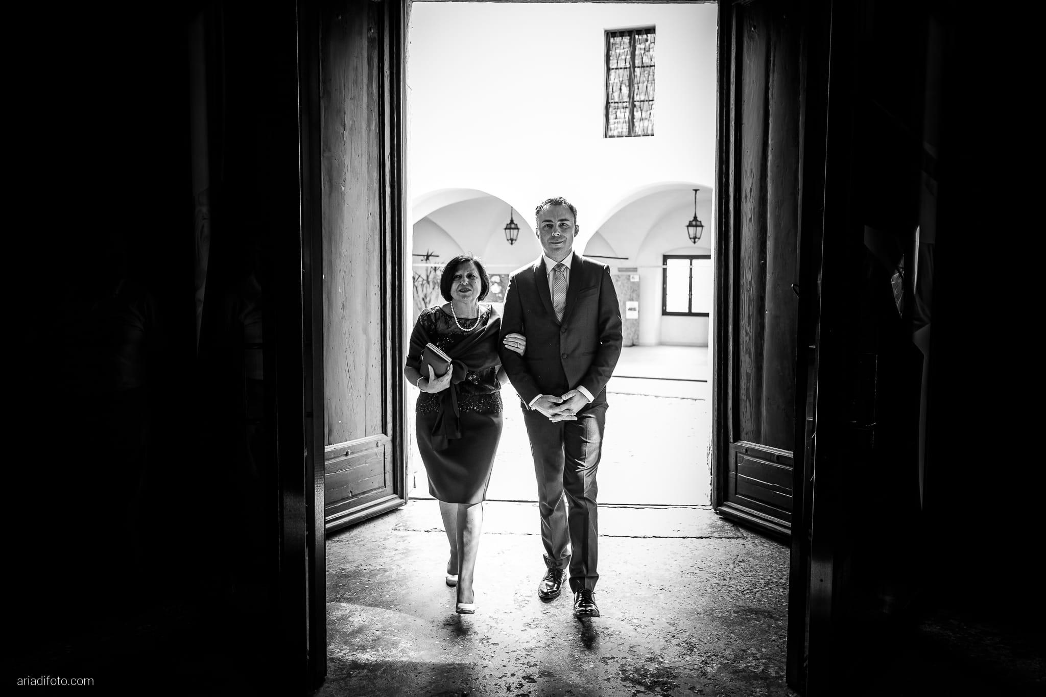 Barbara Simone Matrimonio Abbazia Rosazzo Villa Romano Manzano Udine cerimonia religiosa chiesa cattolica ingresso sposo