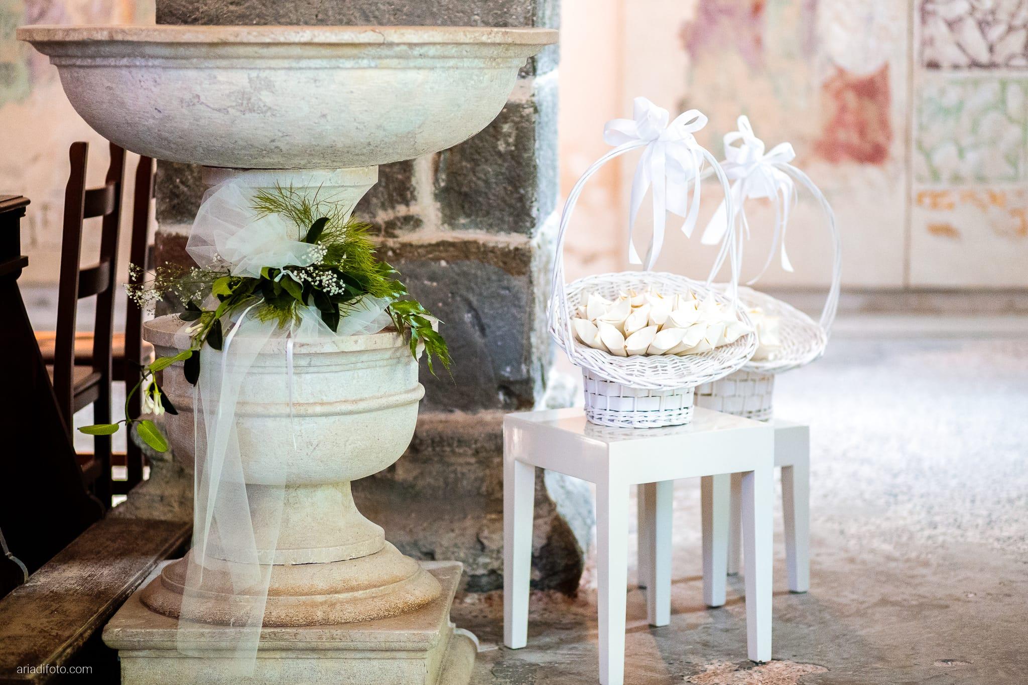 Barbara Simone Matrimonio Abbazia Rosazzo Villa Romano Manzano Udine cerimonia religiosa chiesa cattolica dettagli portariso