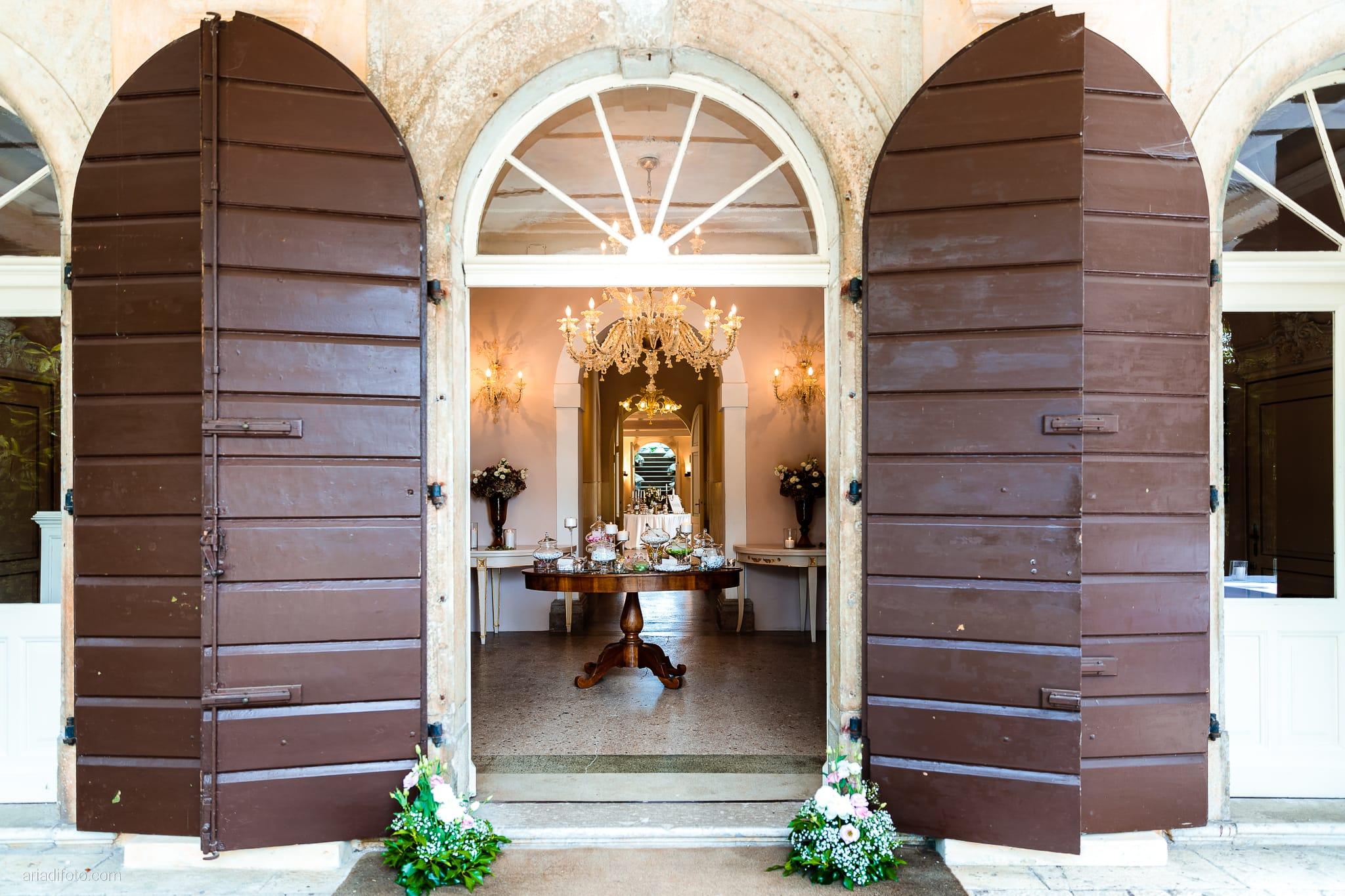 Valentina Marco Matrimonio Duomo Gorizia Castelvecchio Sagrado ricevimento dettagli confettata dolciumi