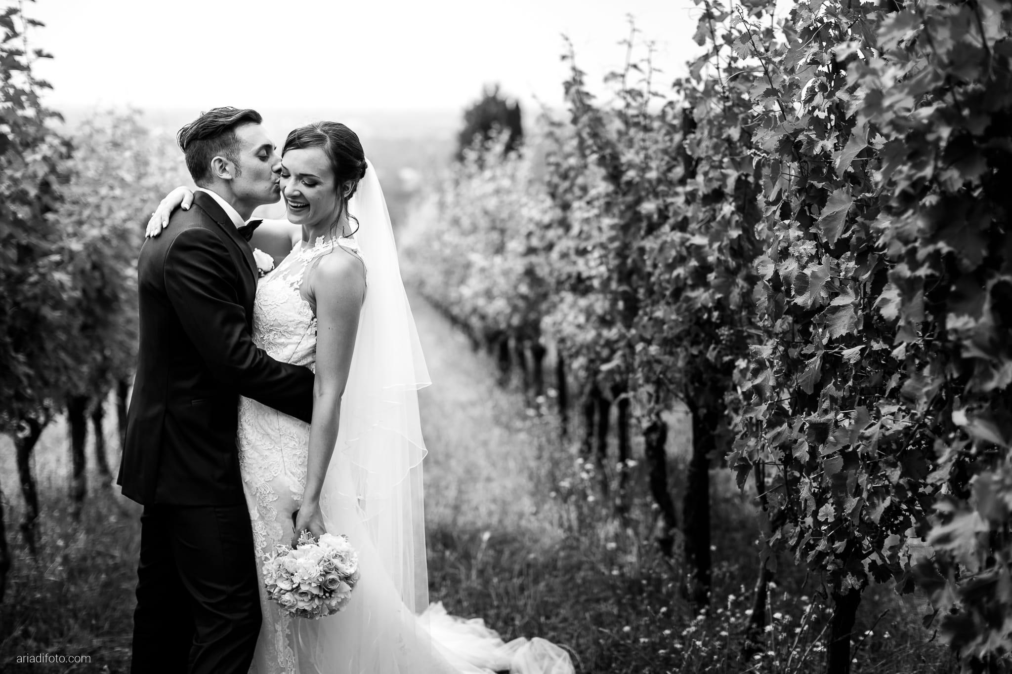 Valentina Marco Matrimonio Duomo Gorizia Castelvecchio Sagrado ritratti sposi vigne
