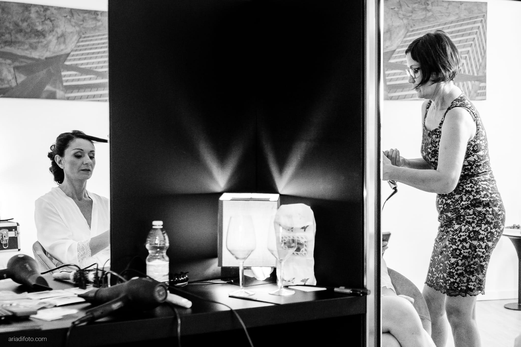 Anna Paolo Matrimonio Santa Maria Maggiore Hotel Riviera Trieste preparativi sposa acconciatura