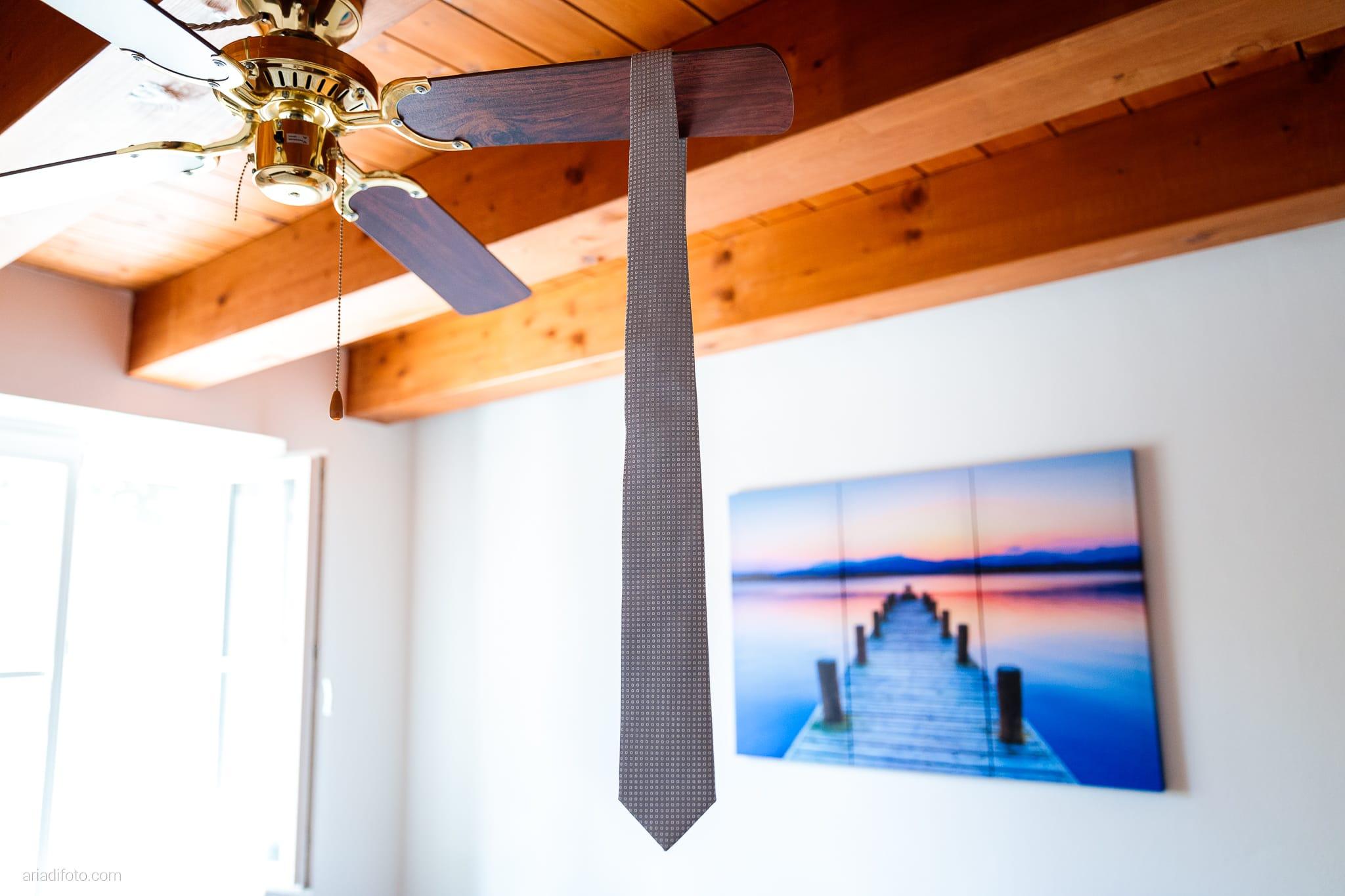 Anna Paolo Matrimonio Santa Maria Maggiore Hotel Riviera Trieste preparazione sposo dettagli cravatta