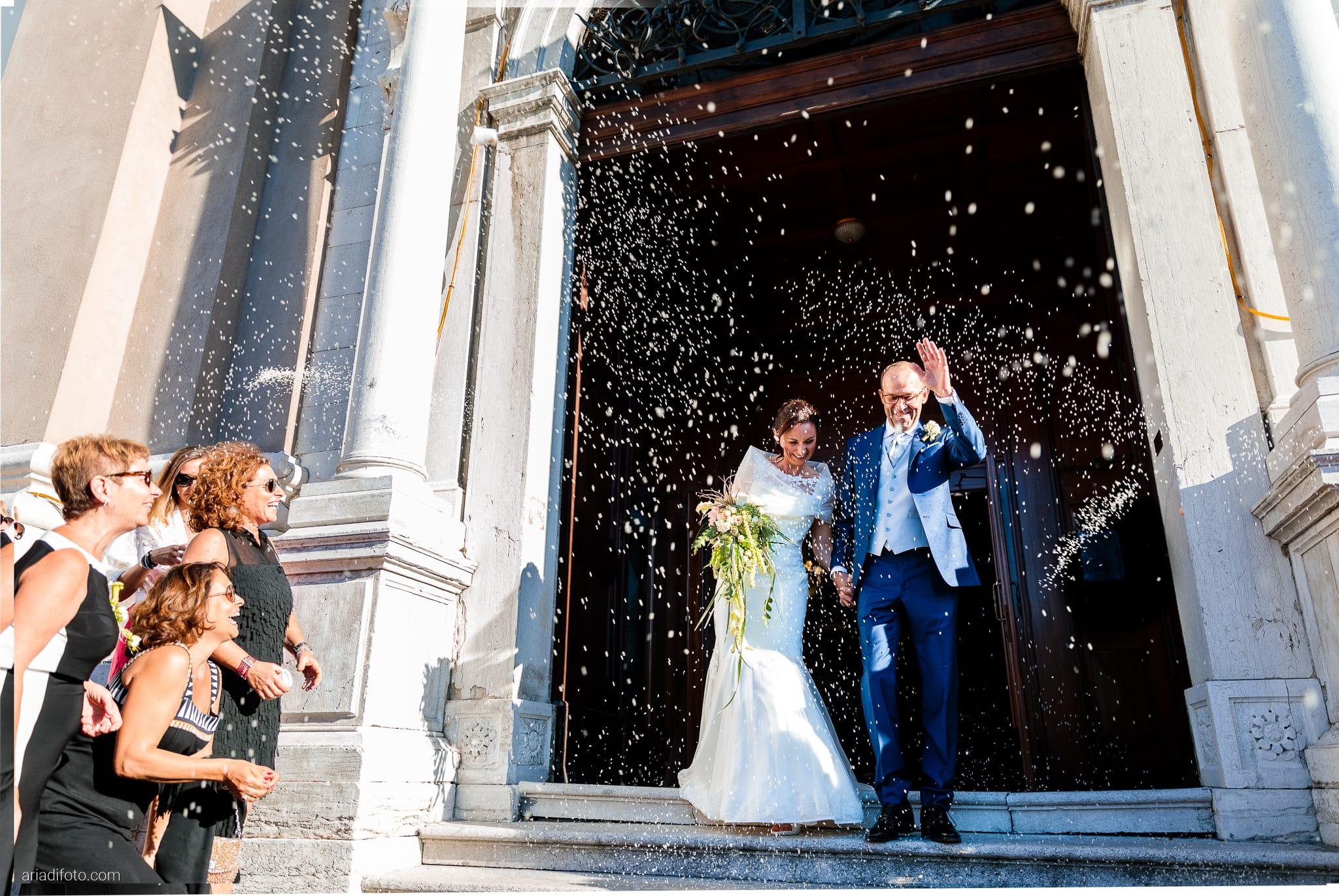 Anna Paolo Matrimonio Santa Maria Maggiore Hotel Riviera Trieste lancio del riso