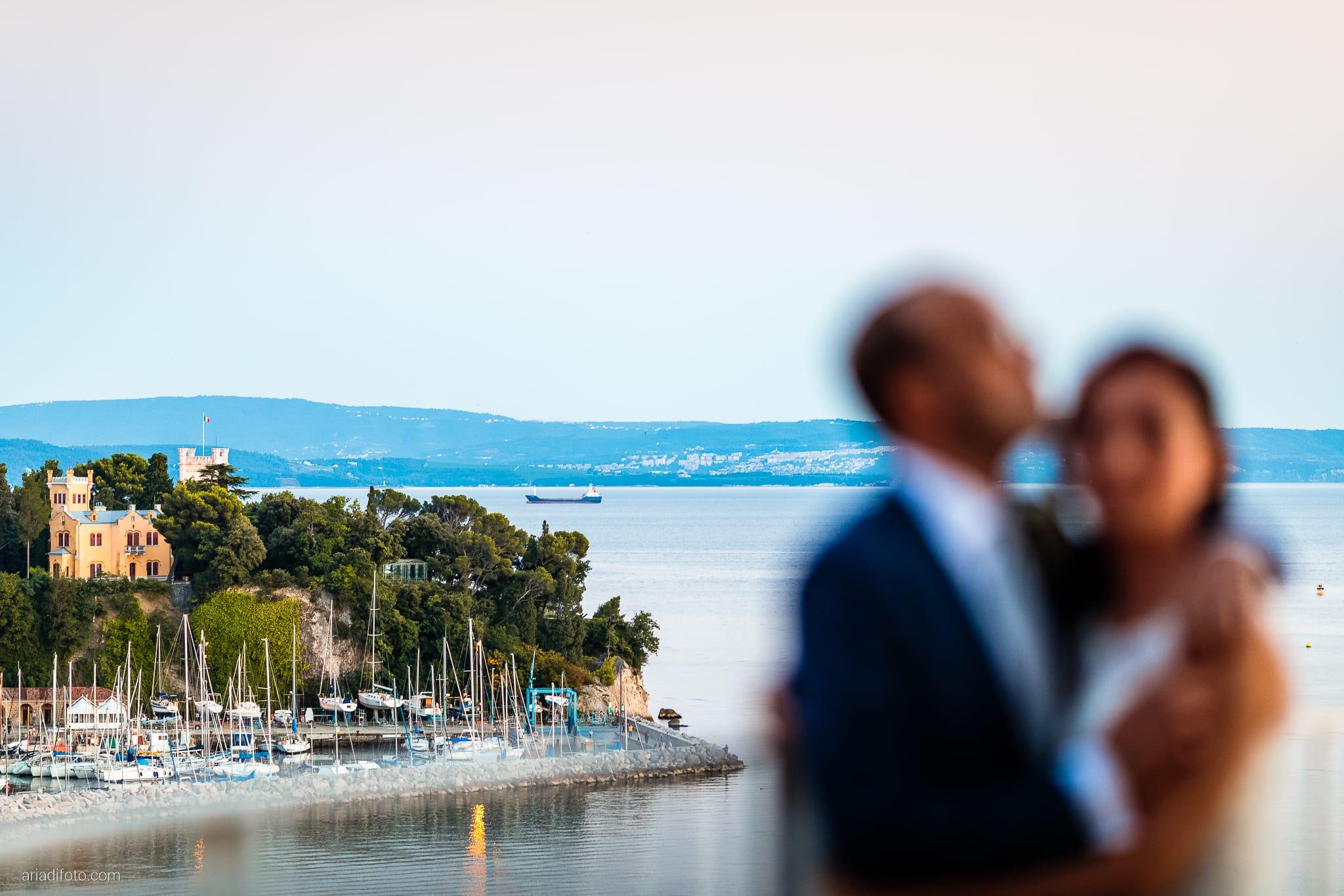 Anna Paolo Matrimonio Santa Maria Maggiore Hotel Riviera Trieste ritratti sposi