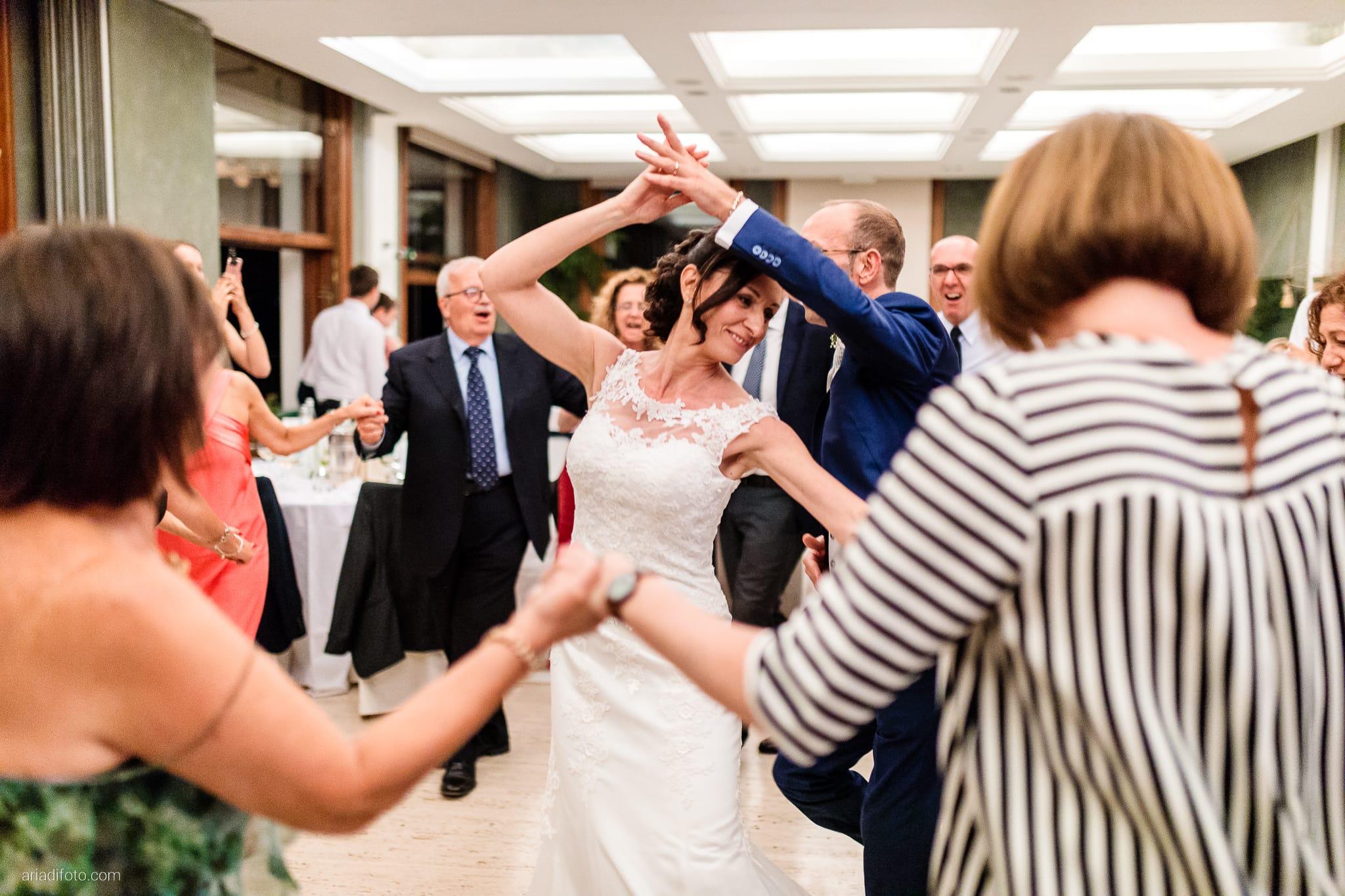 Anna Paolo Matrimonio Santa Maria Maggiore Hotel Riviera Trieste balli festa