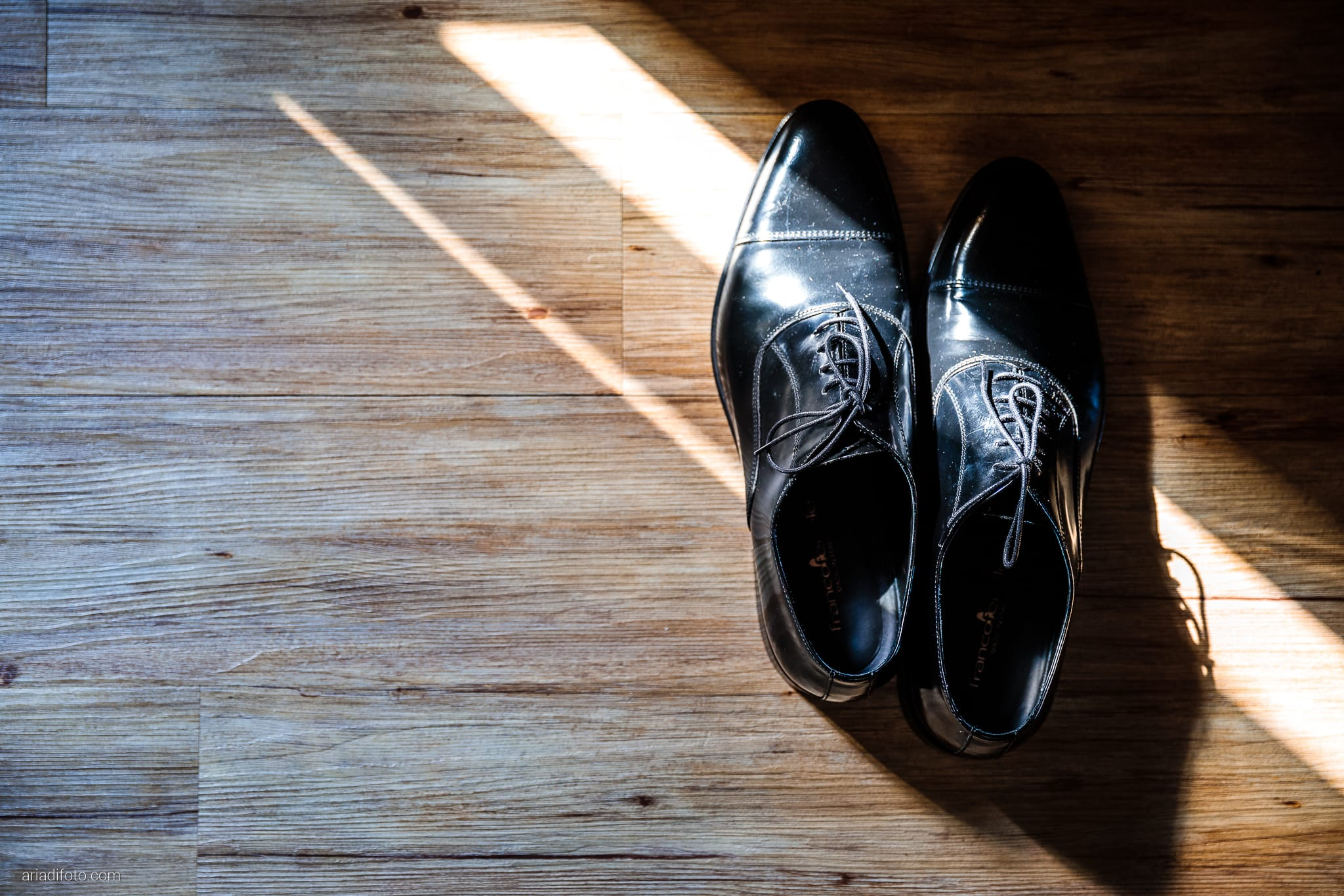 Rosylenia Luca Matrimonio Duino Ristorante Napoleone Castions Udine preparativi sposo dettagli scarpe