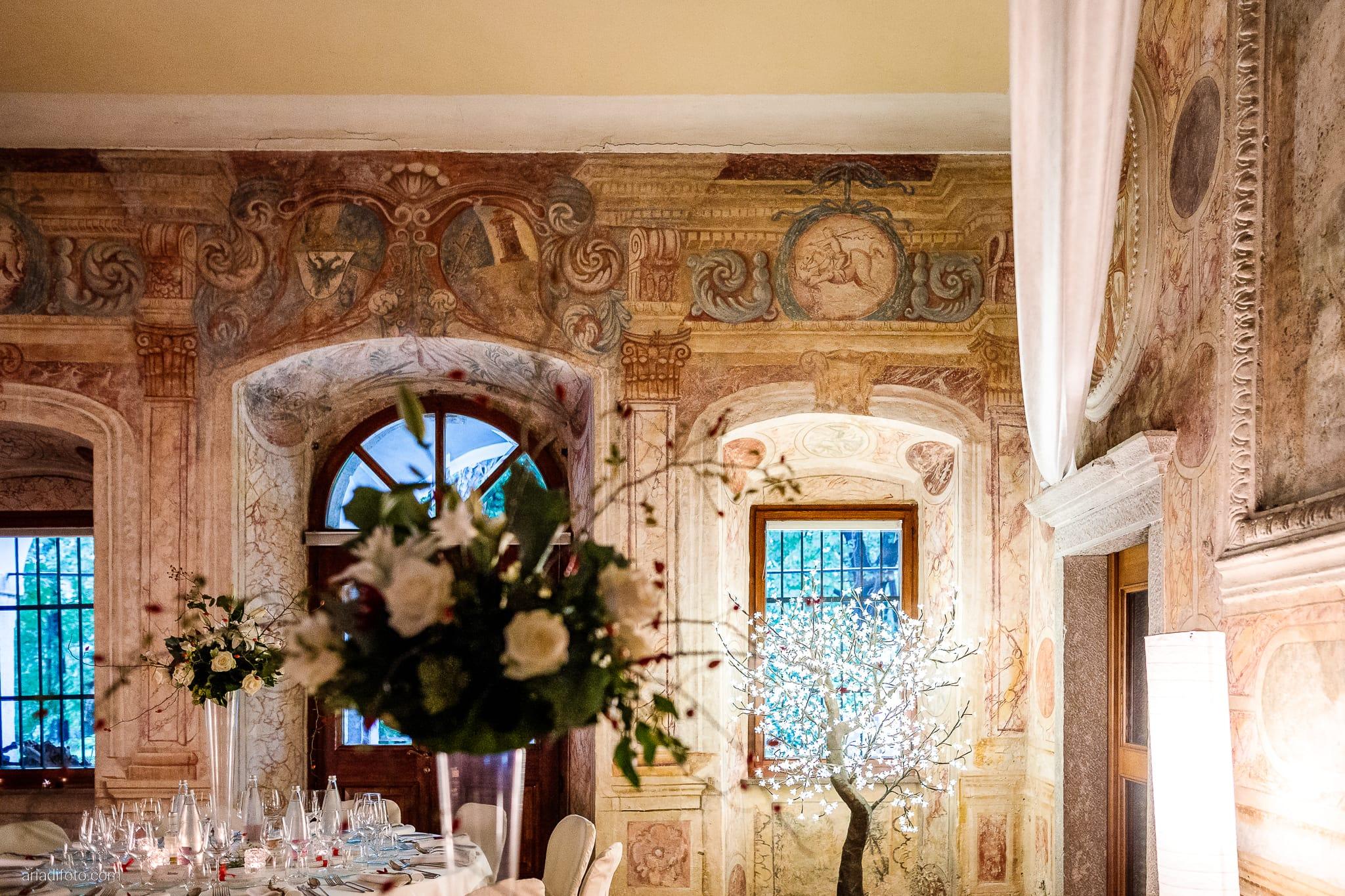 Francesca Davide Matrimonio Destination Wedding Castello Zemono Valle Vipacco Slovenia ricevimento dettagli sala centrotavola allestimenti decorazioni