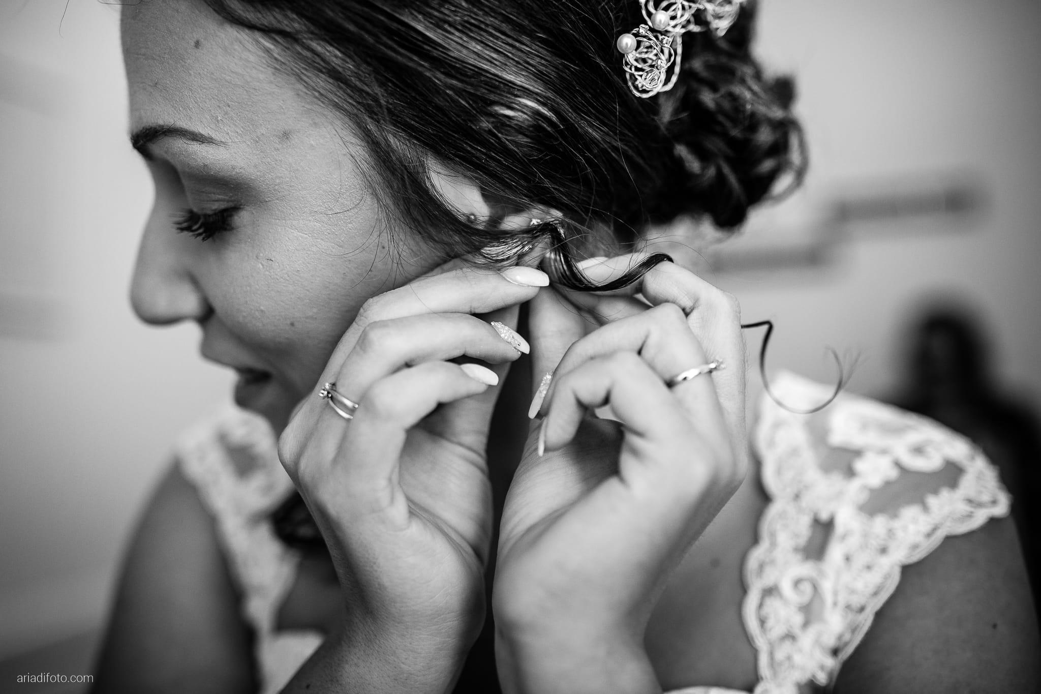Maria Emanuela Fabio Matrimonio Muggia Porto Vecchio Agriturismo Hermada Duino Trieste preparativi sposa vestizione