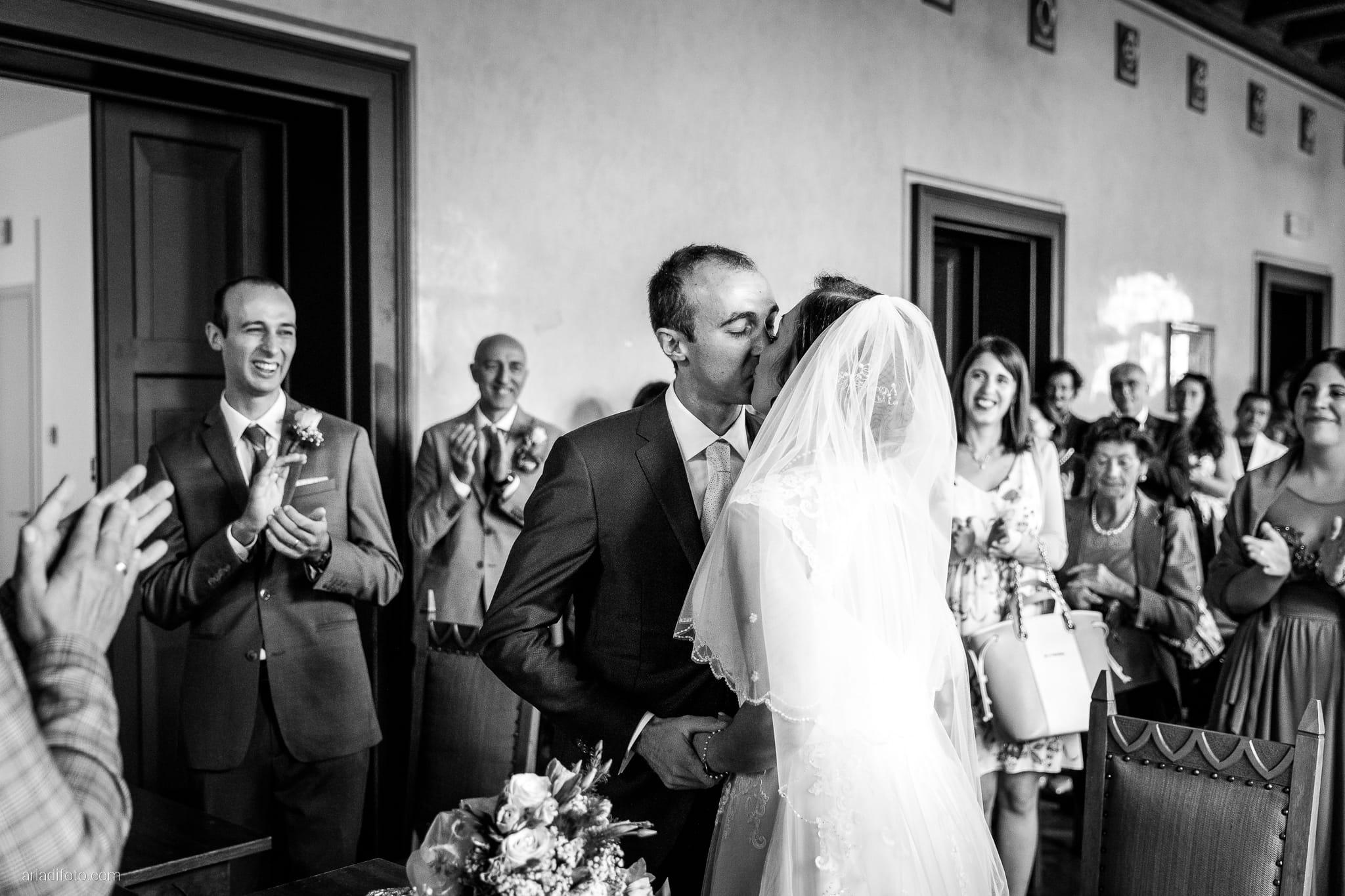 Maria Emanuela Fabio Matrimonio Muggia Porto Vecchio Agriturismo Hermada Duino Trieste cerimonia promesse scambio degli anelli