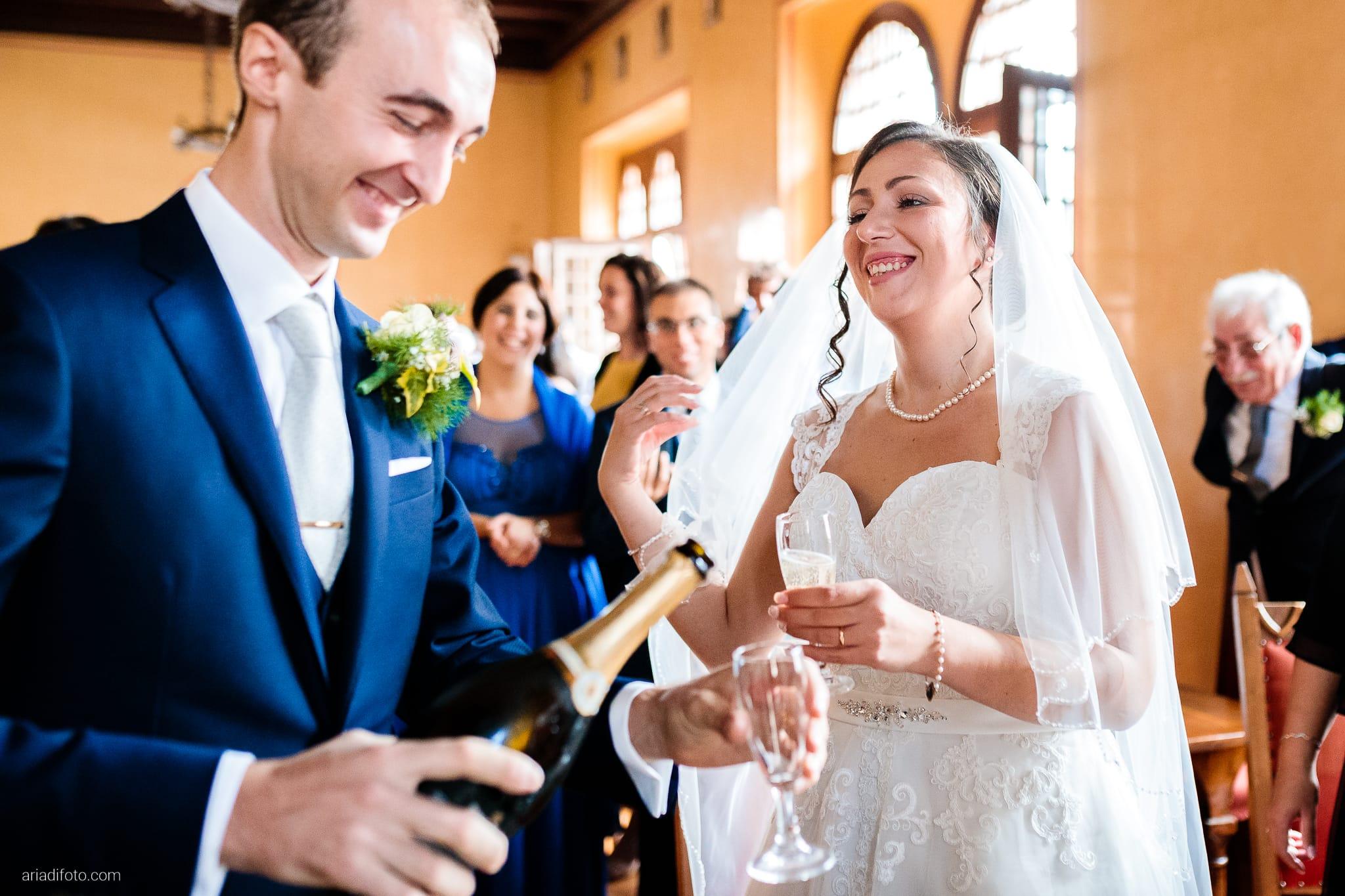 Maria Emanuela Fabio Matrimonio Muggia Porto Vecchio Agriturismo Hermada Duino Trieste cerimonia brindisi