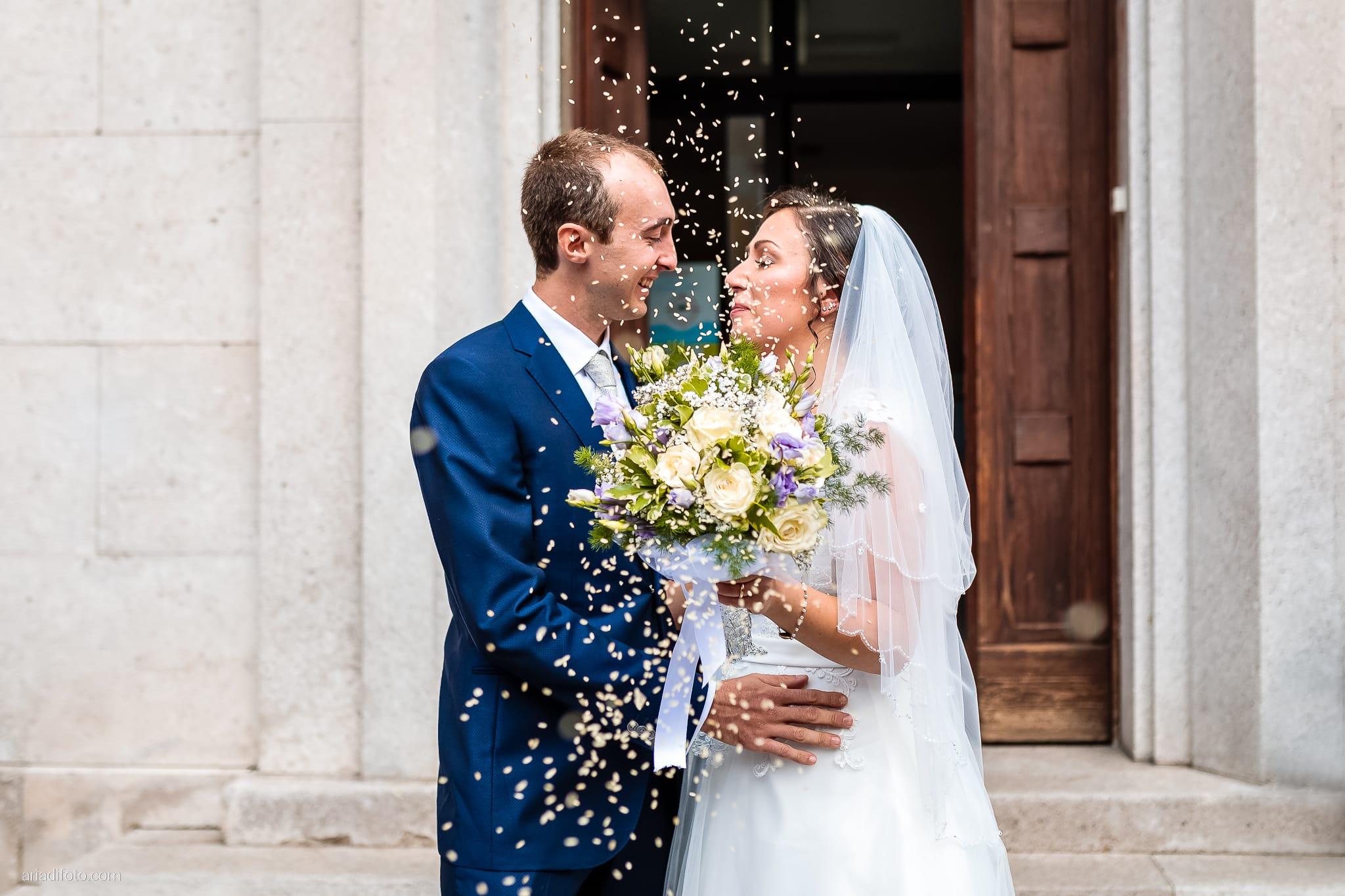 Maria Emanuela Fabio Matrimonio Muggia Porto Vecchio Agriturismo Hermada Duino Trieste cerimonia lancio del riso