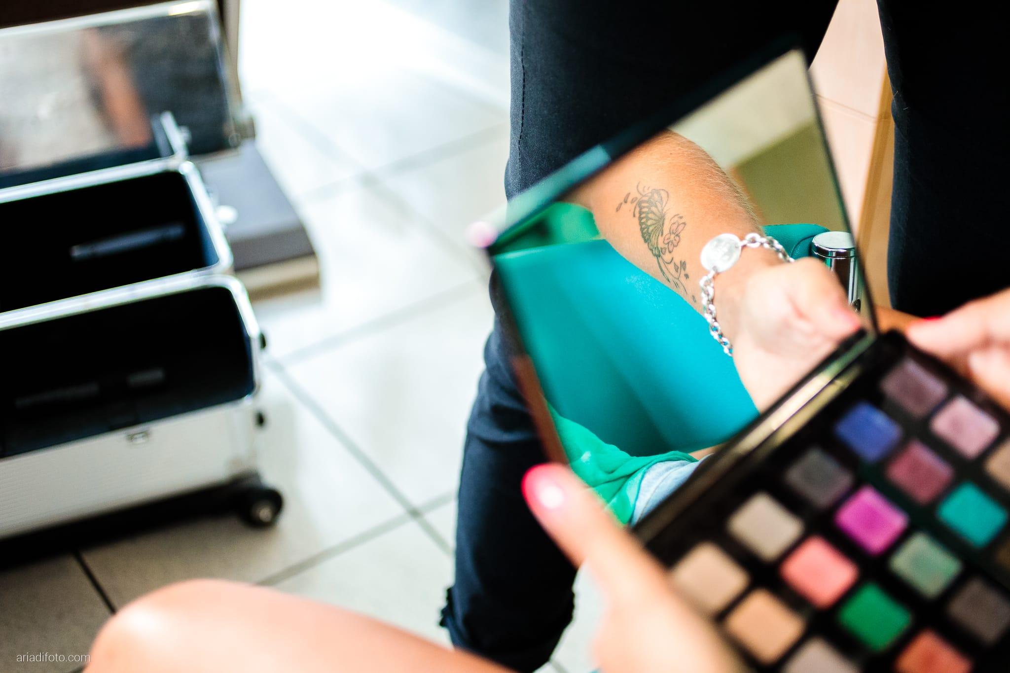 Nicoletta Pierfrancesco Matrimonio Gorizia Villa Attems Lucinico preparativi sposa trucco specchio riflesso tatuaggio