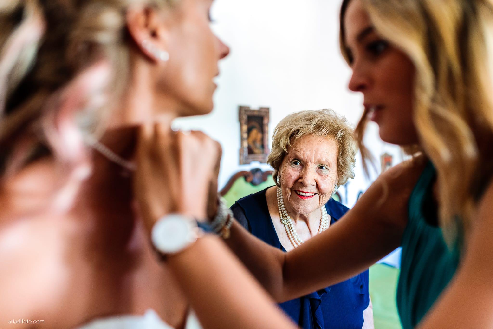 Nicoletta Pierfrancesco Matrimonio Gorizia Villa Attems Lucinico preparativi sposa vestizione nonna