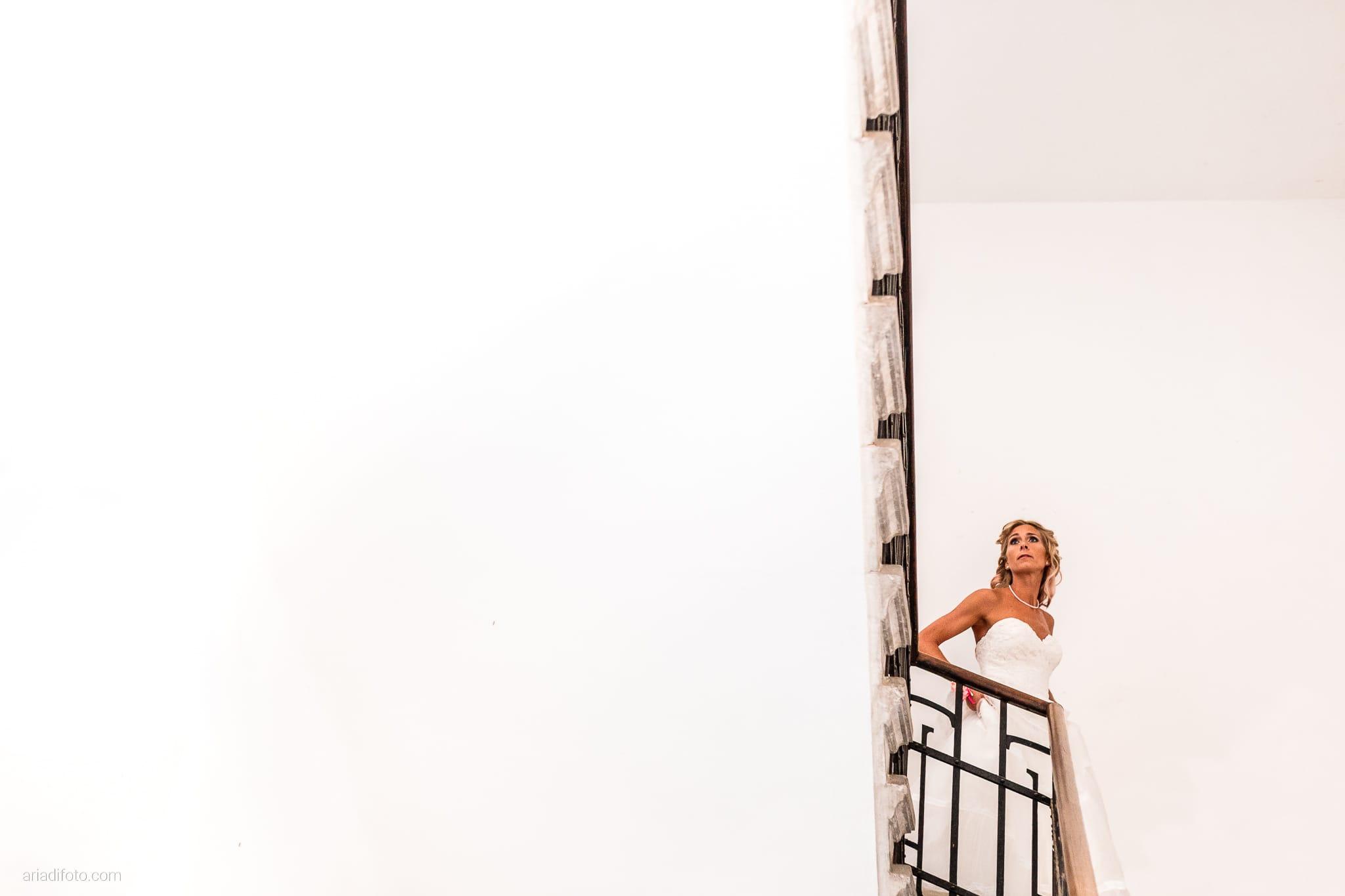 Nicoletta Pierfrancesco Matrimonio Gorizia Villa Attems Lucinico preparativi sposa scale