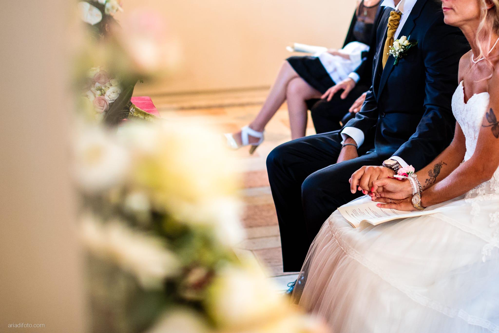 Nicoletta Pierfrancesco Matrimonio Gorizia Villa Attems Lucinico Cerimonia Chiesa Sant'Antonio dettagli mani