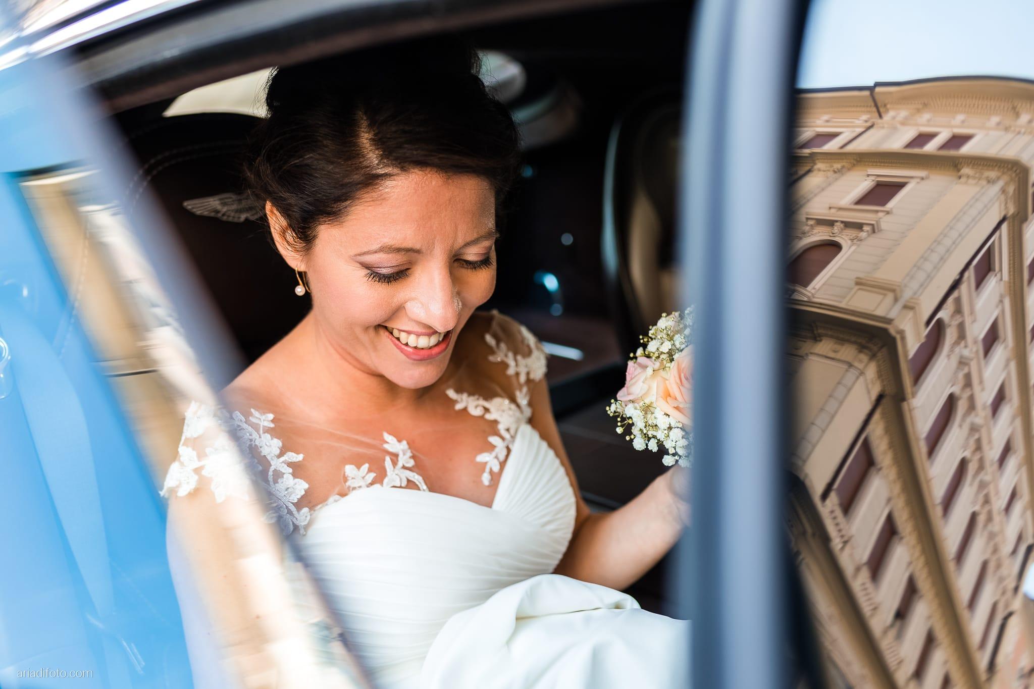 Tatiana Marco Matrimonio Trieste Baronesse Tacco San Floriano Collio Gorizia preparativi sposa riflesso