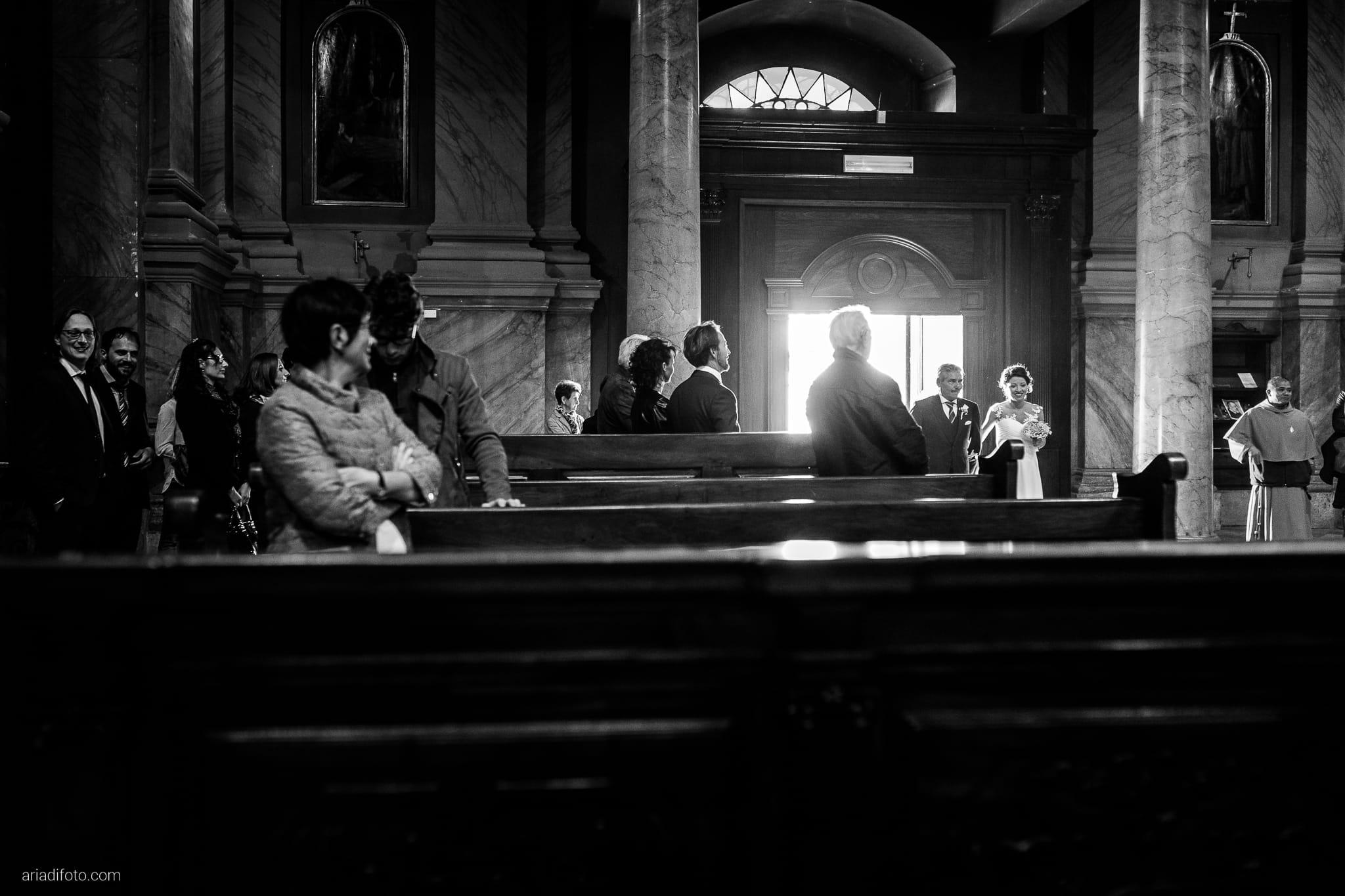 Tatiana Marco Matrimonio Trieste Baronesse Tacco San Floriano Collio Gorizia cerimonia cattolica Chiesa di Santa Maria Maggiore ingresso sposa